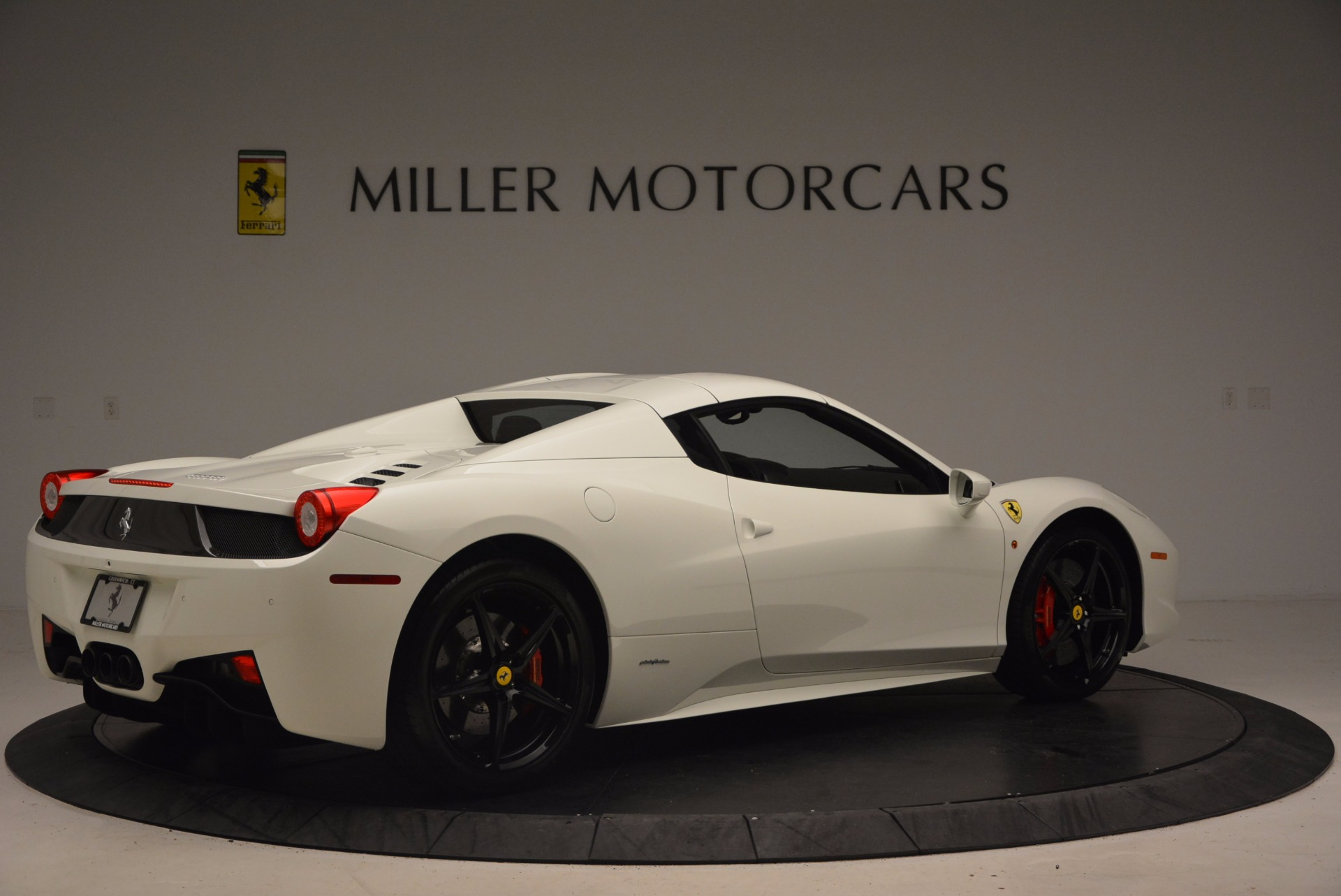 Used 2015 Ferrari 458 Spider  For Sale In Greenwich, CT 1534_p20