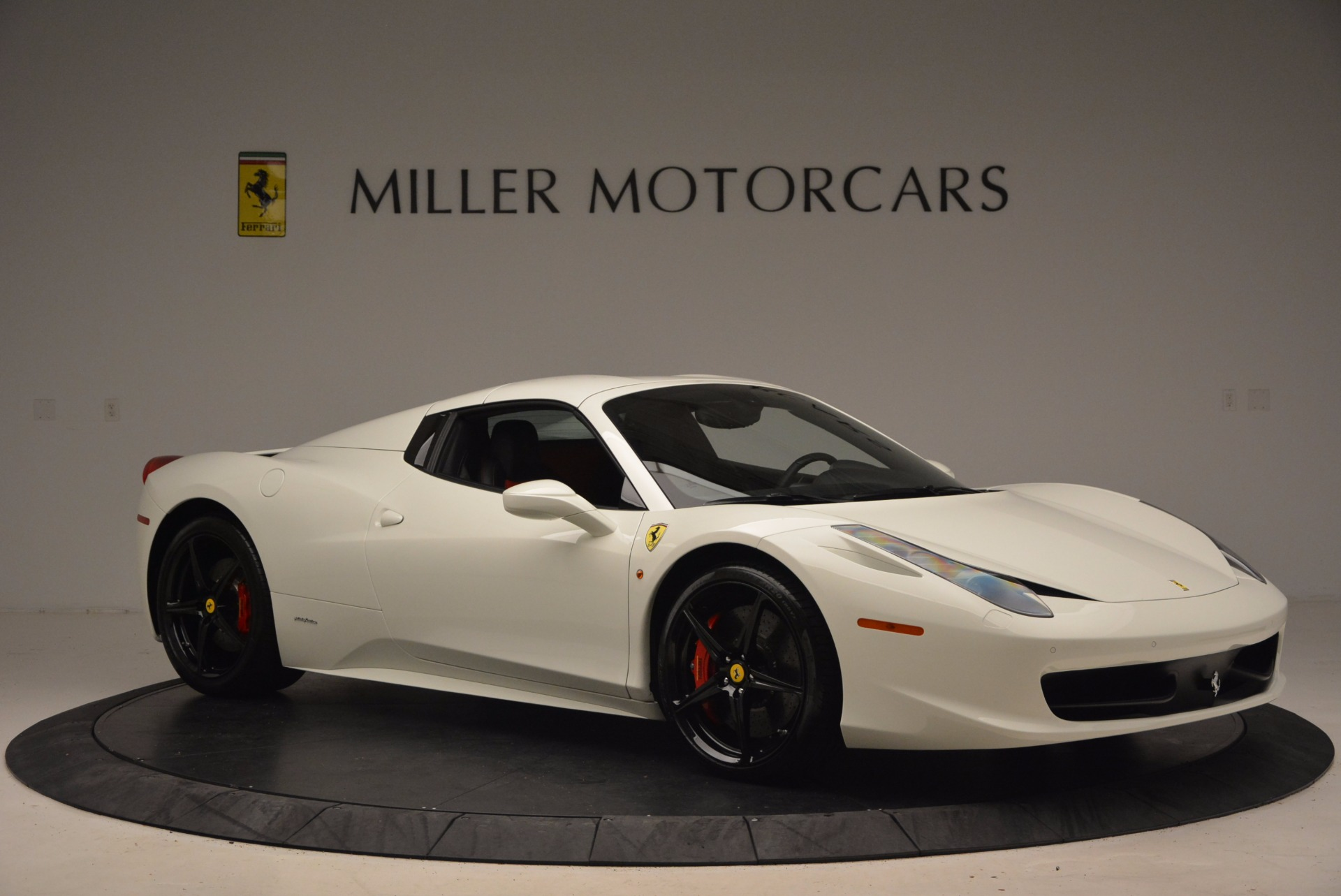 Used 2015 Ferrari 458 Spider  For Sale In Greenwich, CT 1534_p22