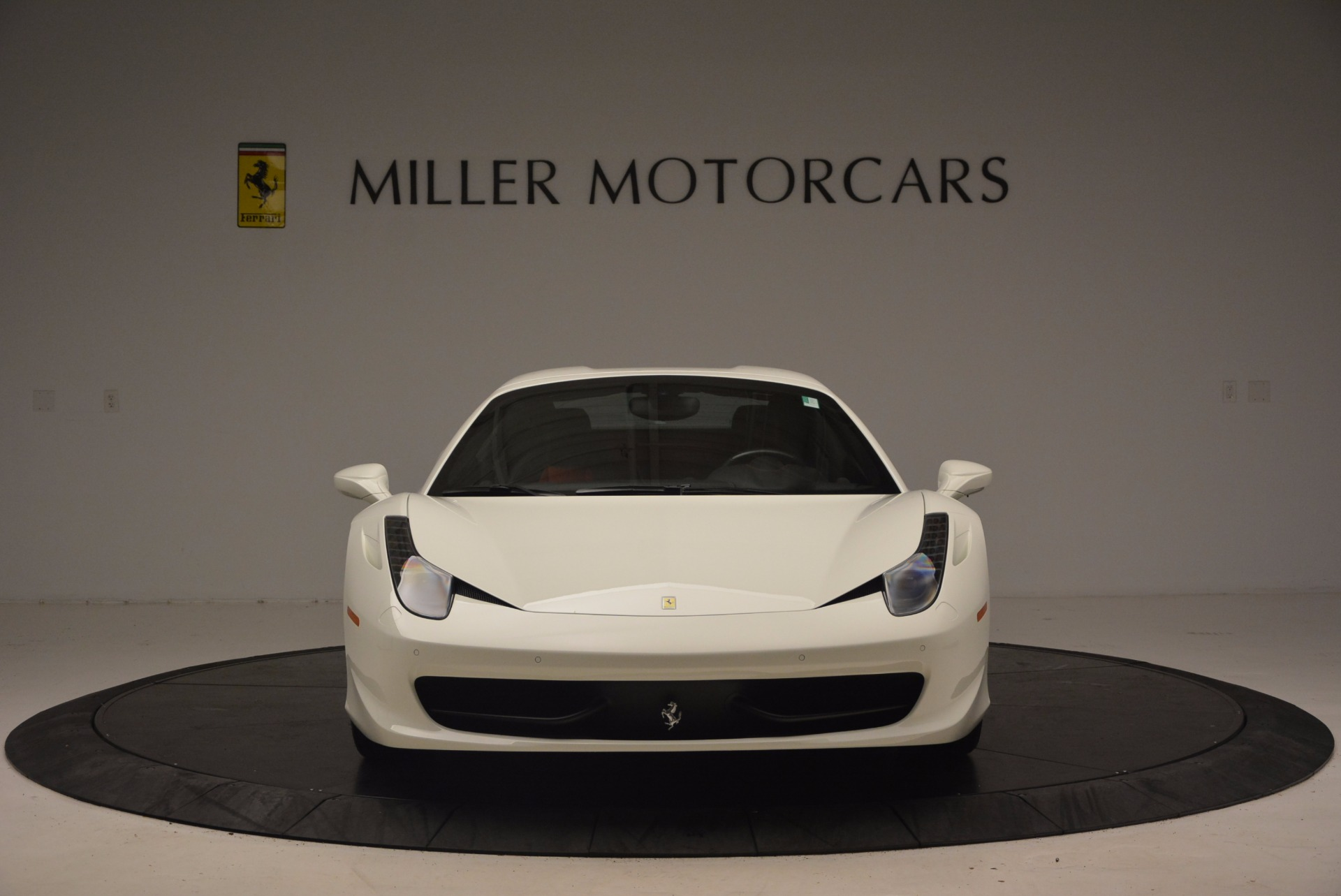 Used 2015 Ferrari 458 Spider  For Sale In Greenwich, CT 1534_p24