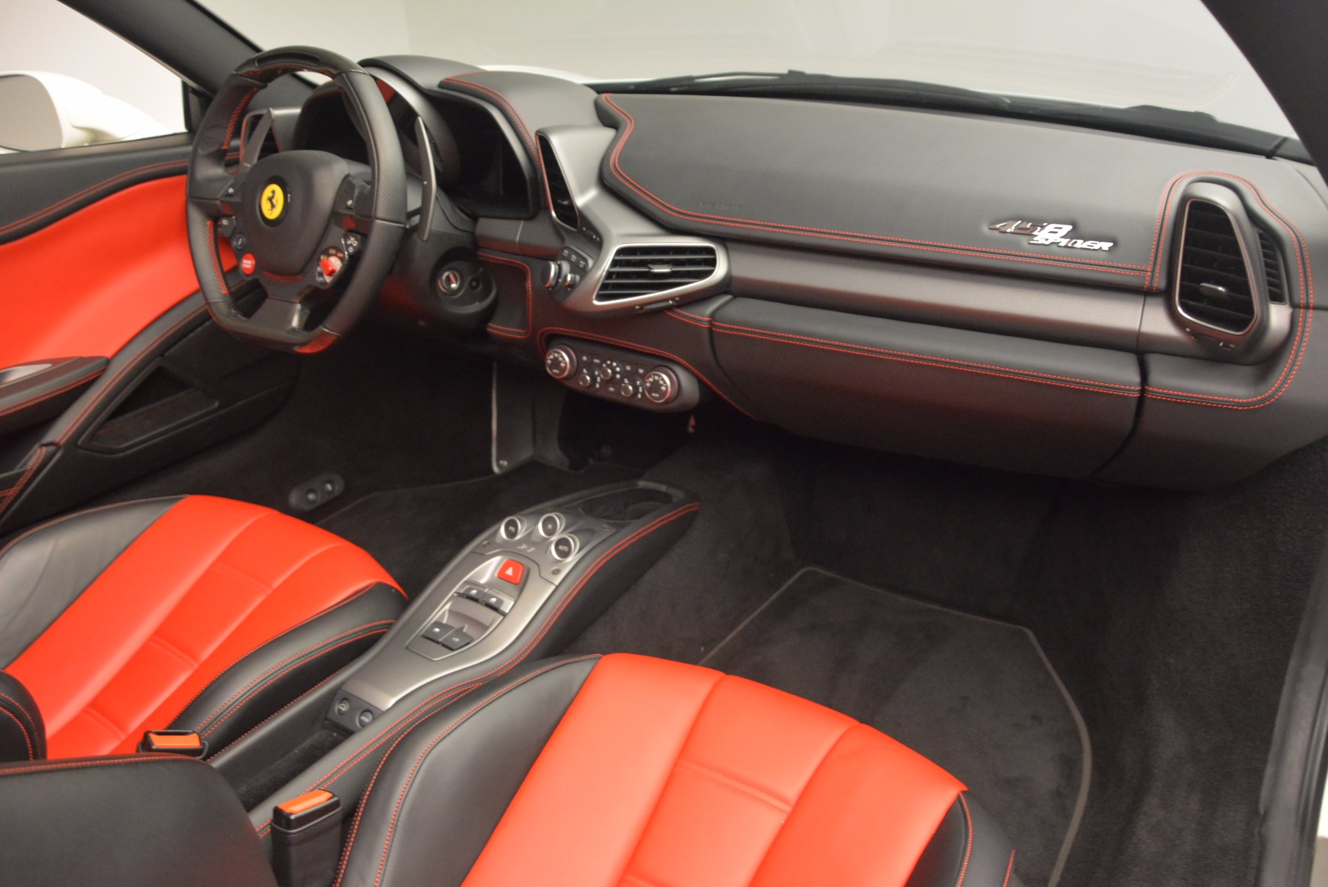 Used 2015 Ferrari 458 Spider  For Sale In Greenwich, CT 1534_p29