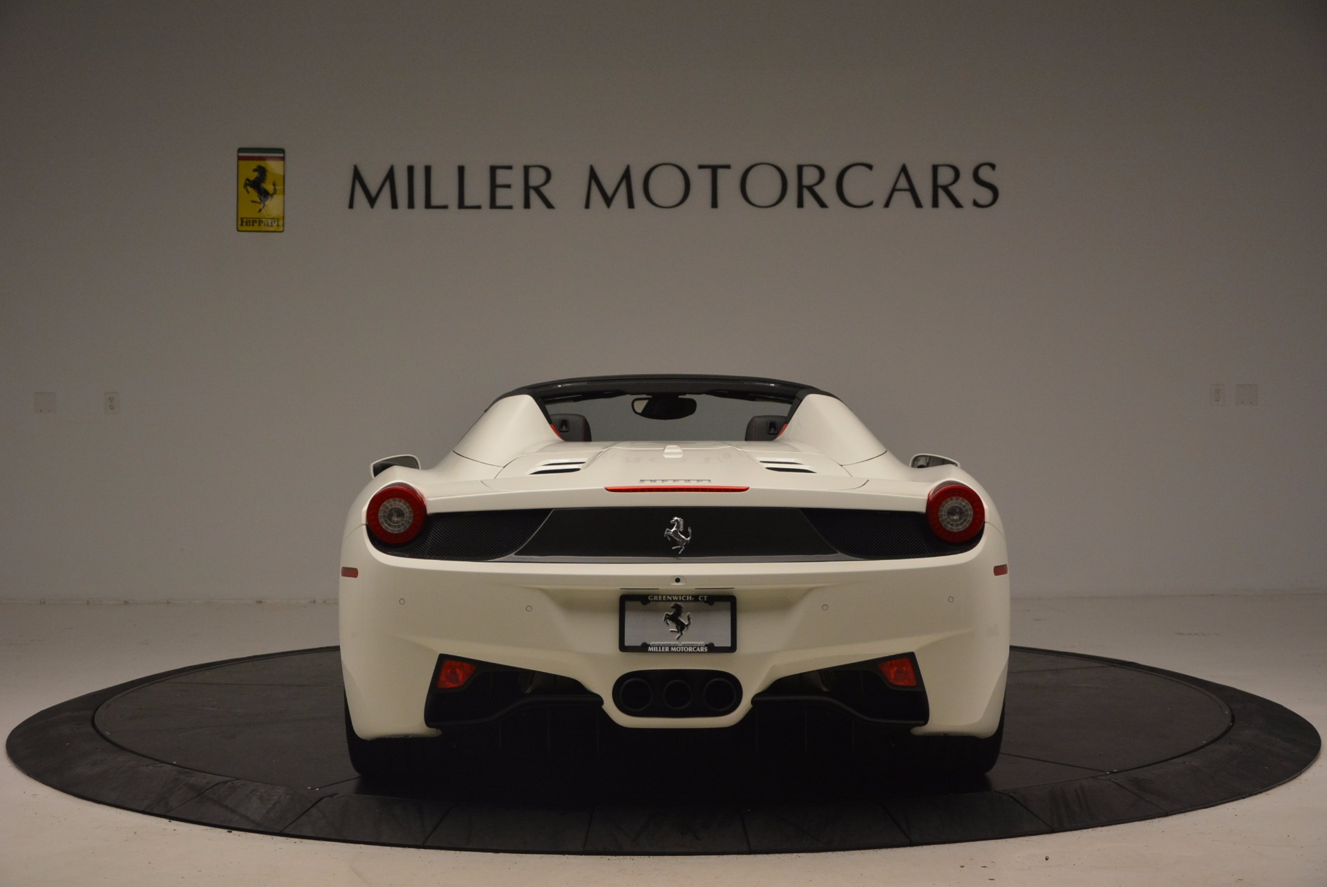 Used 2015 Ferrari 458 Spider  For Sale In Greenwich, CT 1534_p6