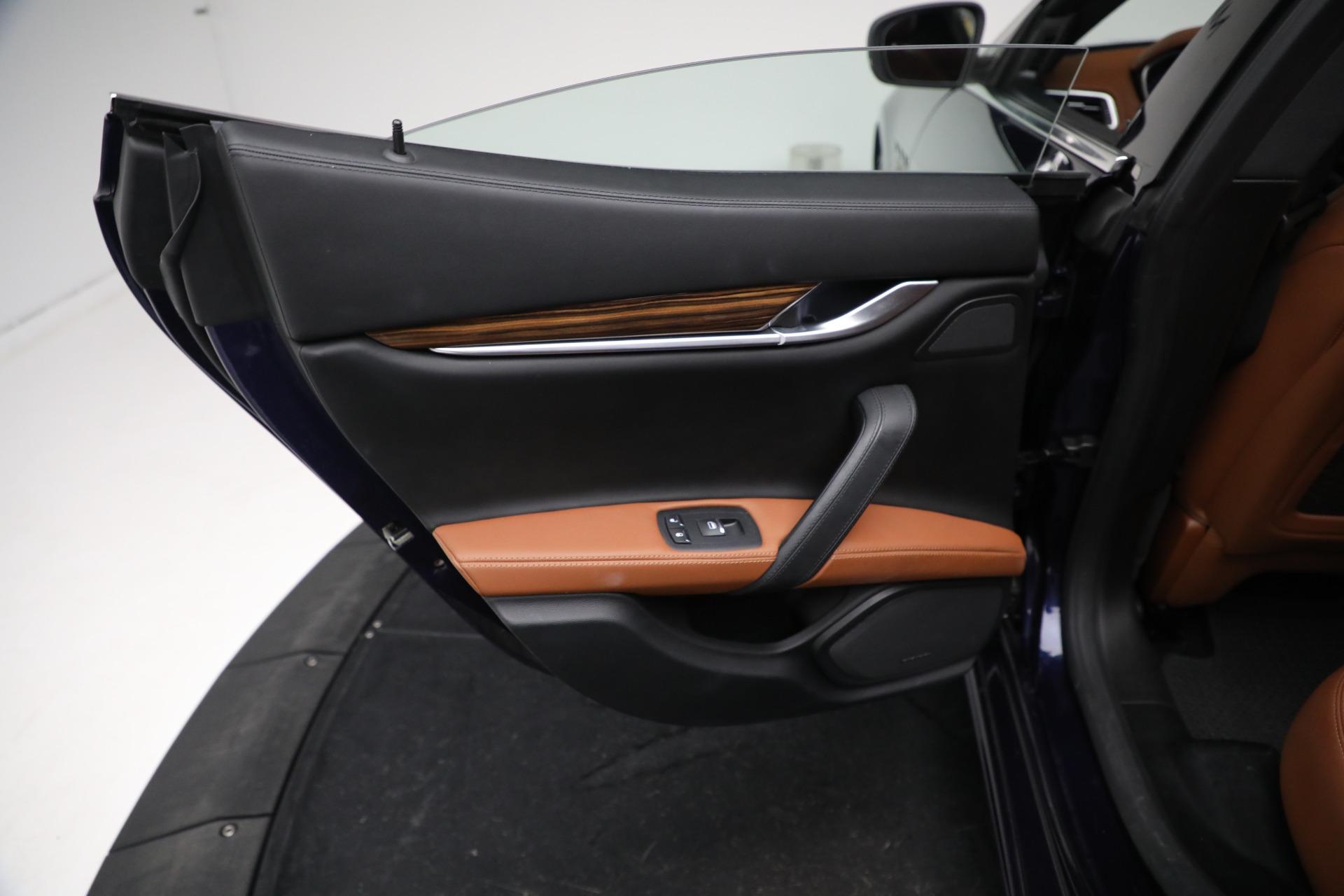New 2018 Maserati Ghibli S Q4 GranLusso For Sale In Greenwich, CT 1539_p18