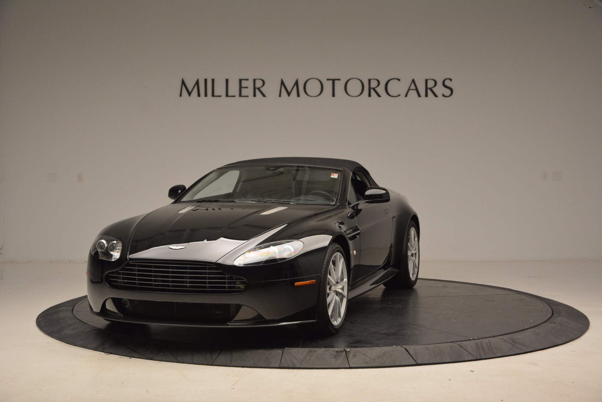 New 2016 Aston Martin V8 Vantage Roadster For Sale In Greenwich, CT 1546_p13