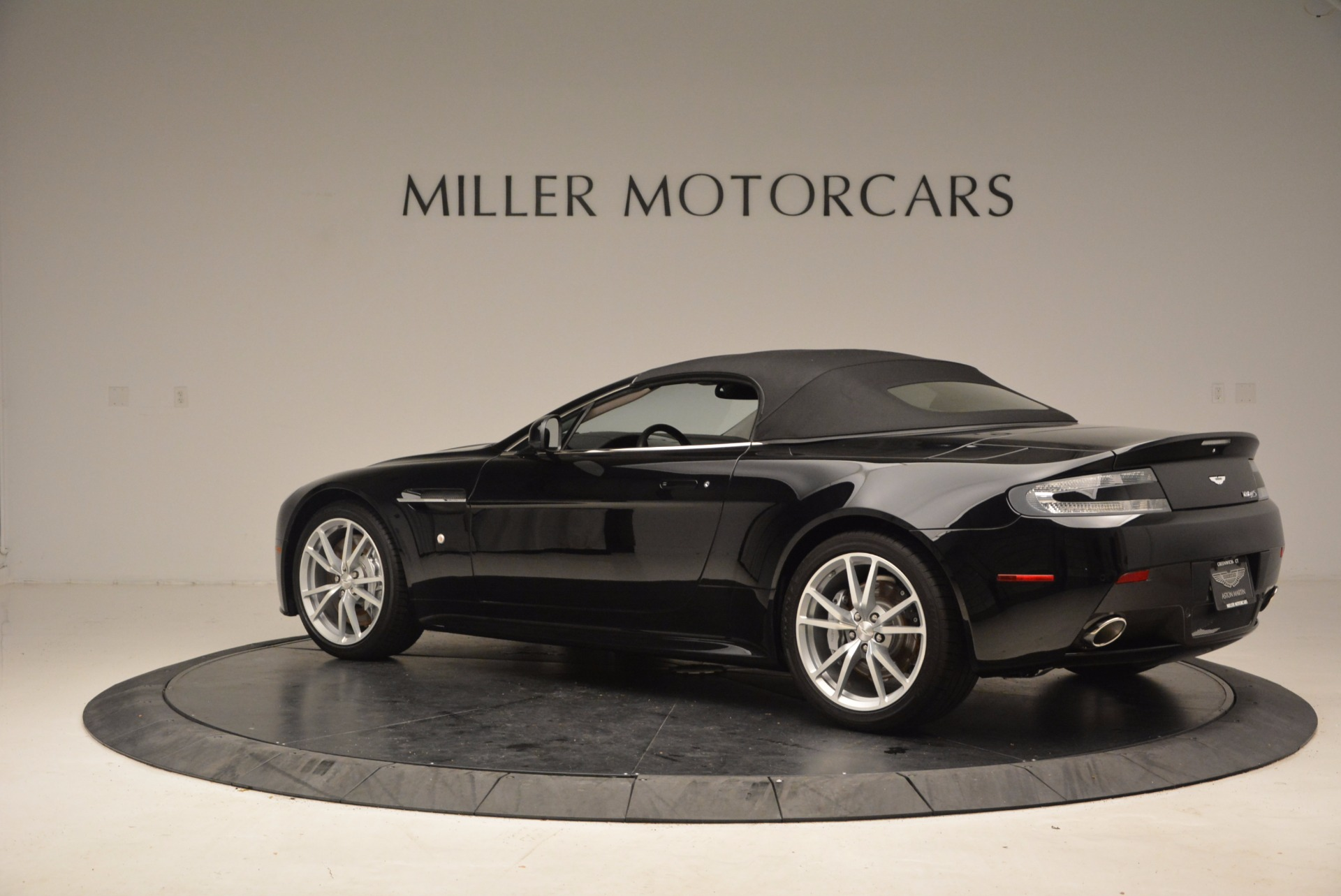 New 2016 Aston Martin V8 Vantage Roadster For Sale In Greenwich, CT 1546_p16