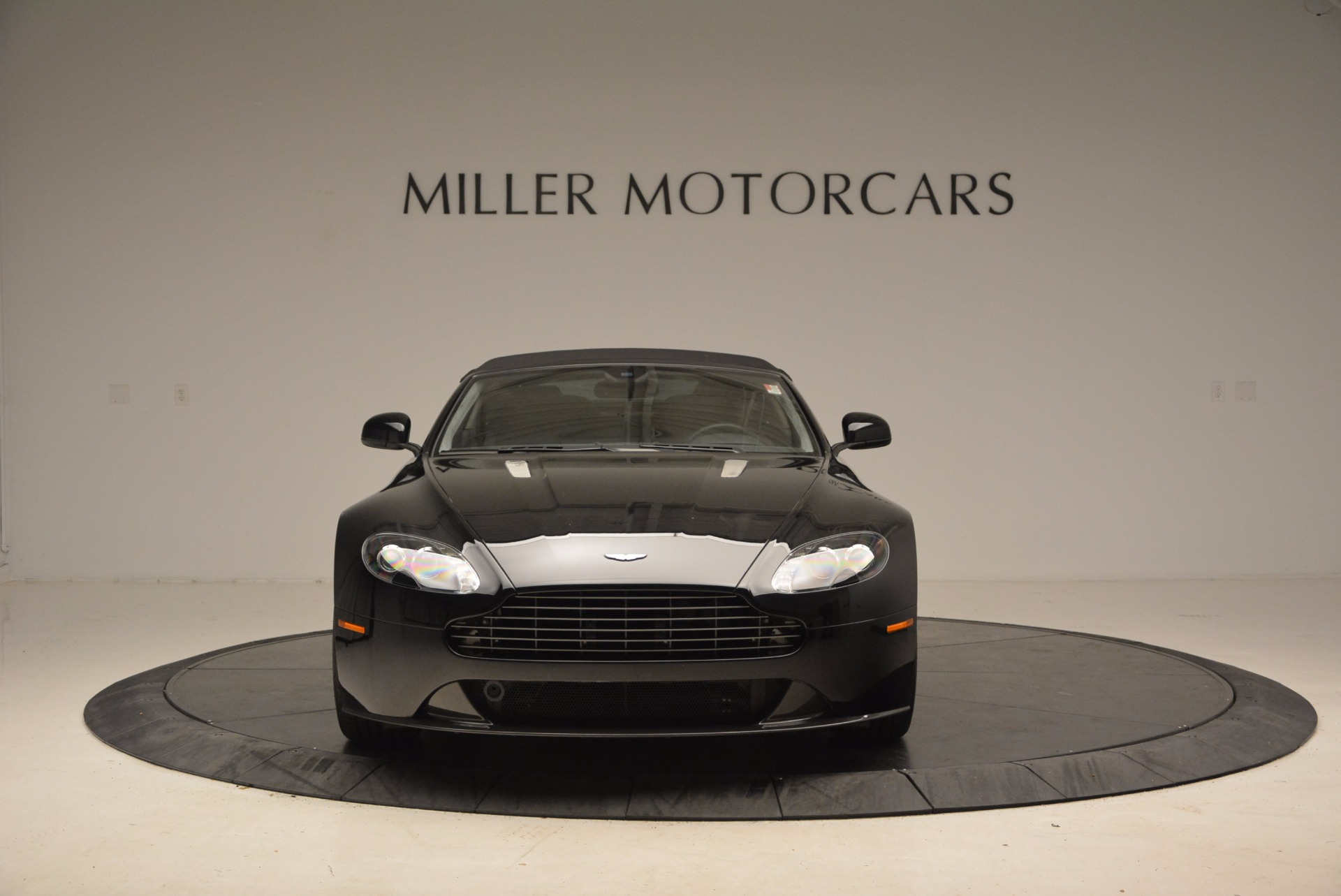 New 2016 Aston Martin V8 Vantage Roadster For Sale In Greenwich, CT 1546_p24