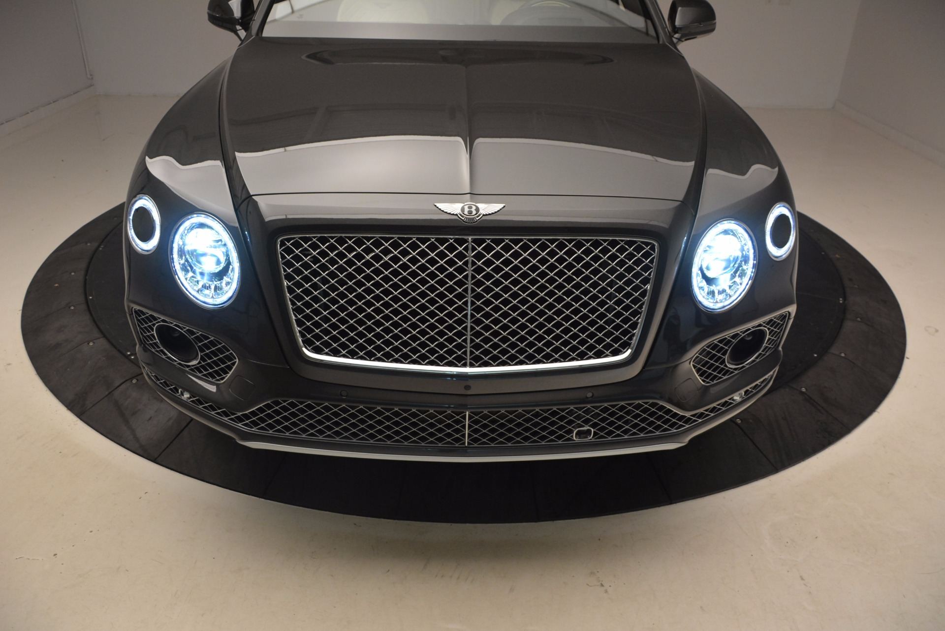 New 2018 Bentley Bentayga Signature For Sale In Greenwich, CT 1547_p19