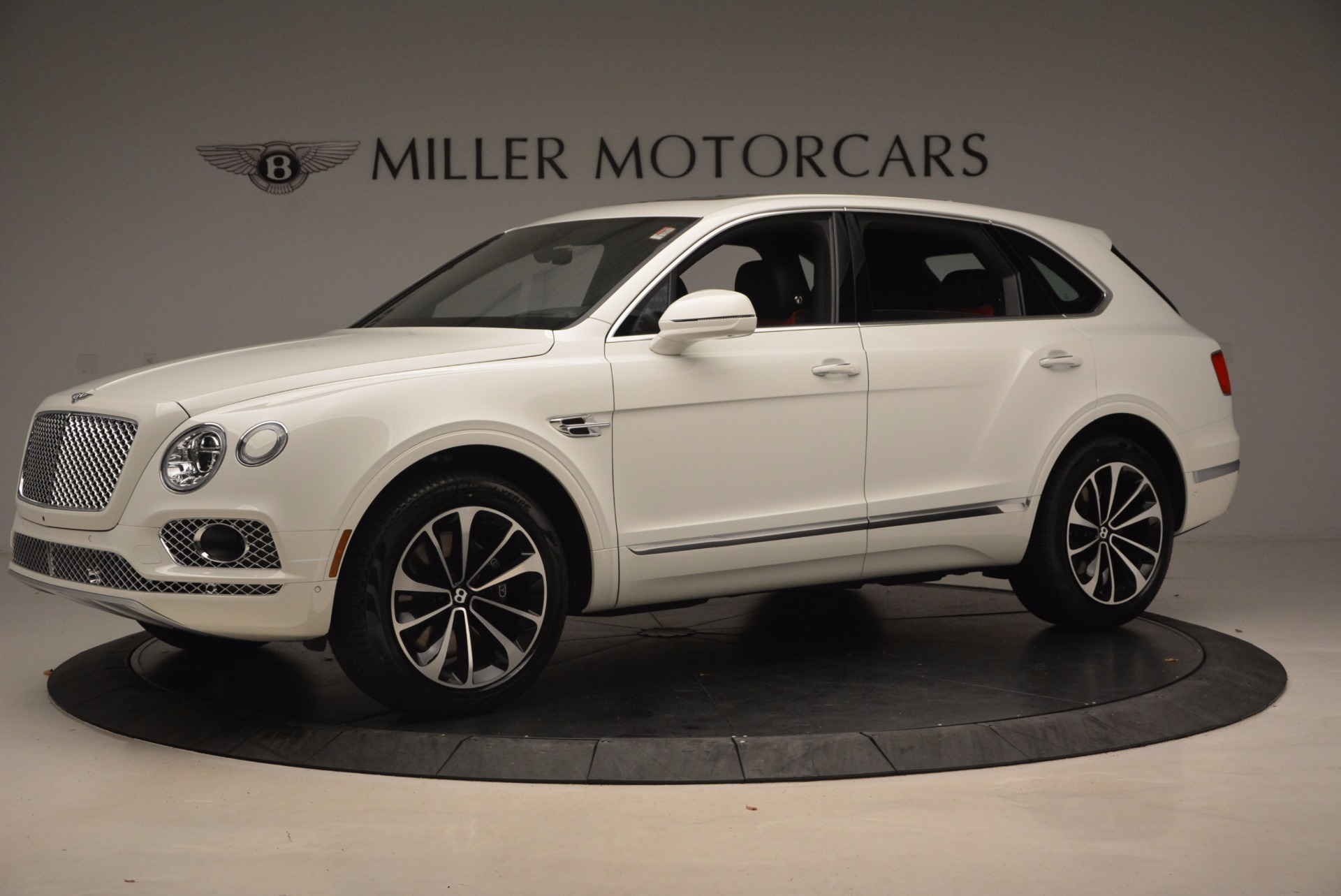 New 2018 Bentley Bentayga Onyx For Sale In Greenwich, CT 1548_p2