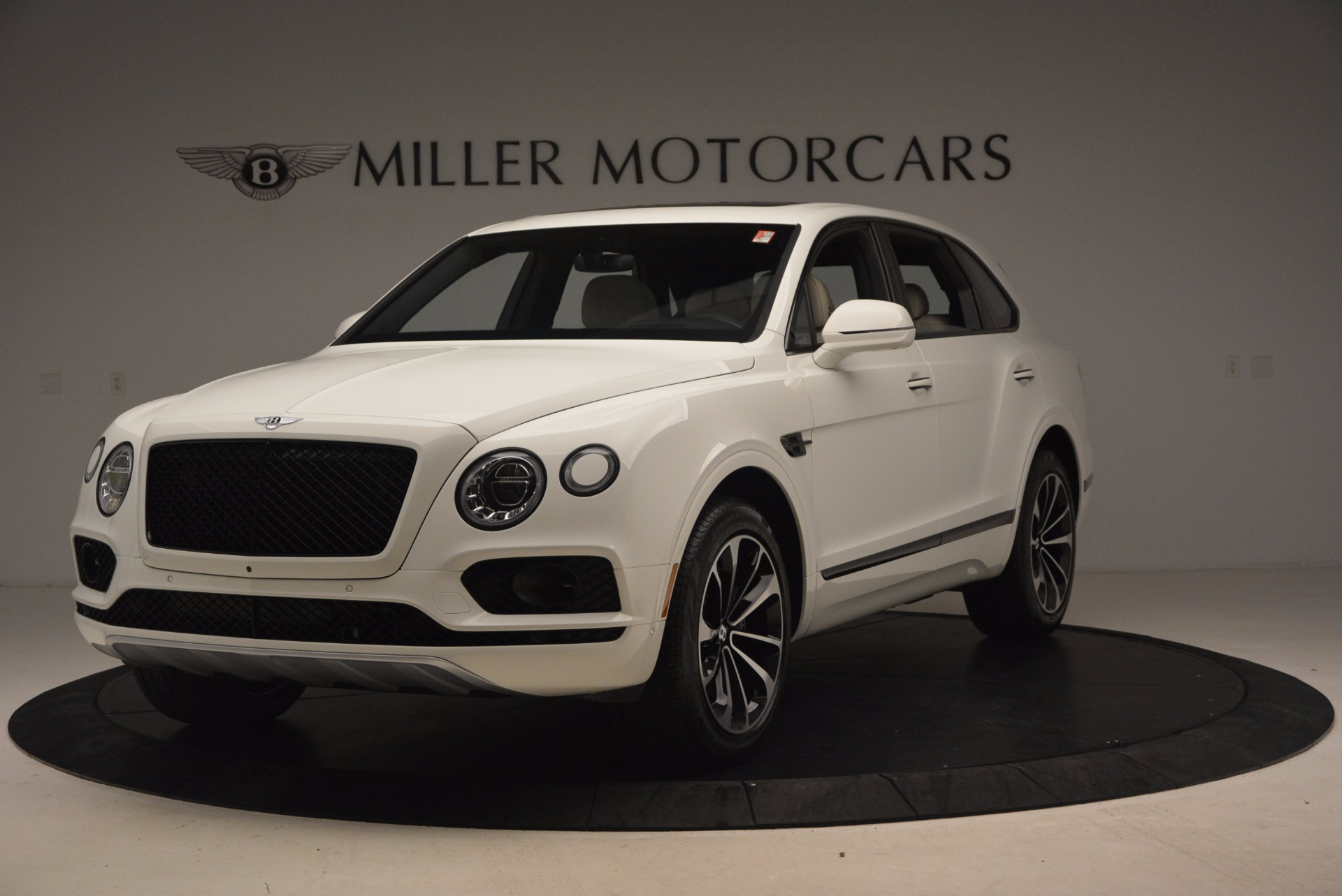 Used 2018 Bentley Bentayga Onyx For Sale In Greenwich, CT 1549_main