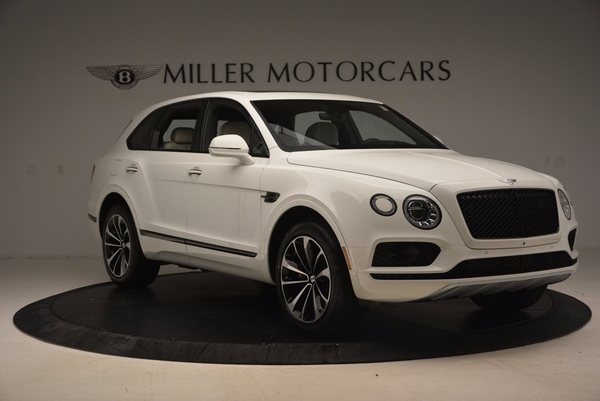Used 2018 Bentley Bentayga Onyx For Sale In Greenwich, CT 1549_p11