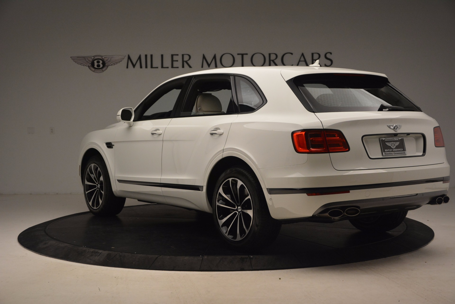 Used 2018 Bentley Bentayga Onyx For Sale In Greenwich, CT 1549_p5
