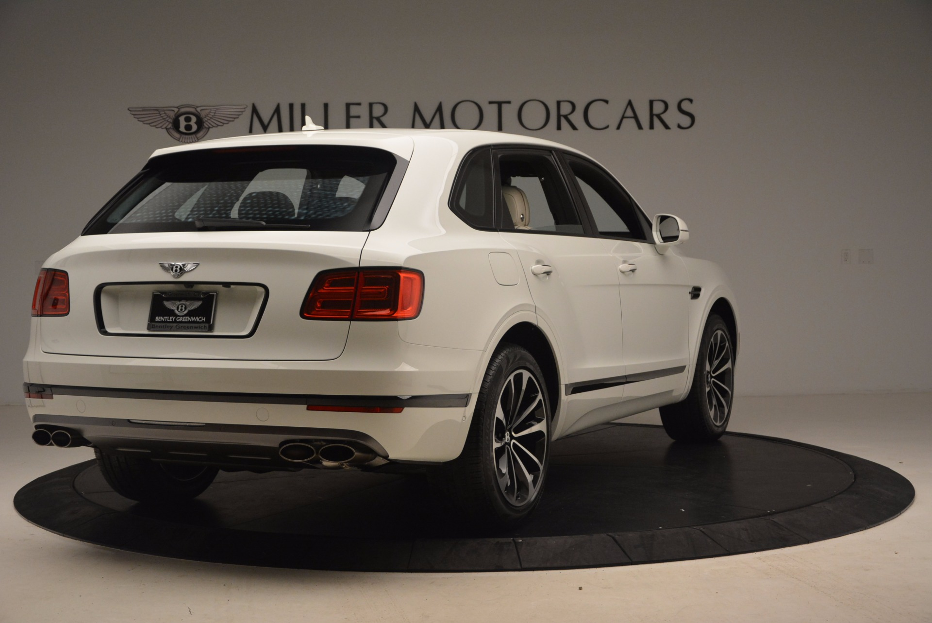 Used 2018 Bentley Bentayga Onyx For Sale In Greenwich, CT 1549_p7