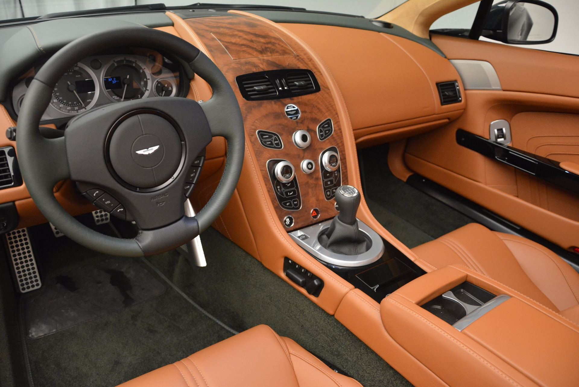 Used 2016 Aston Martin V8 Vantage S Roadster For Sale In Greenwich, CT 1550_p20