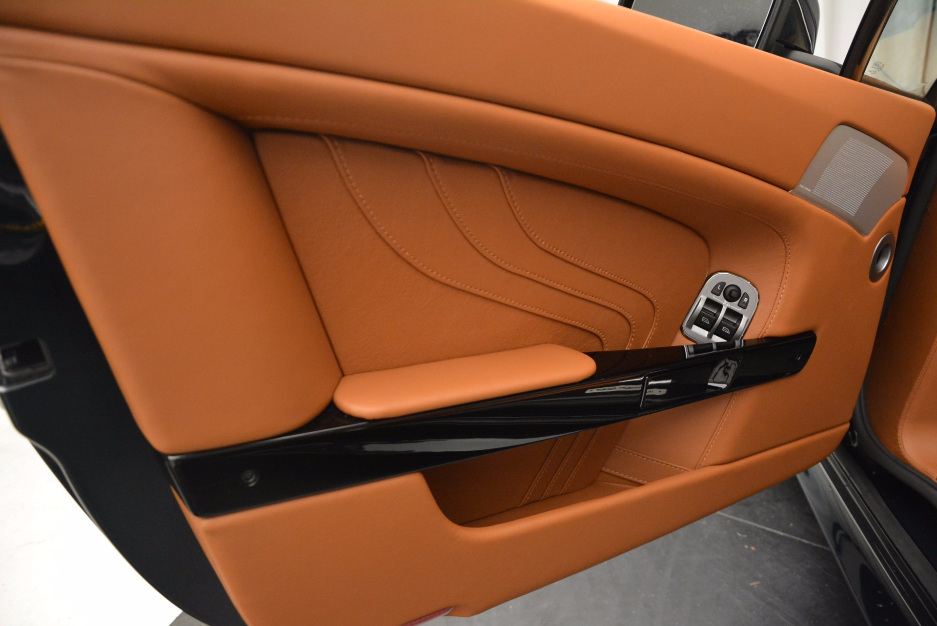 Used 2016 Aston Martin V8 Vantage S Roadster For Sale In Greenwich, CT 1550_p22