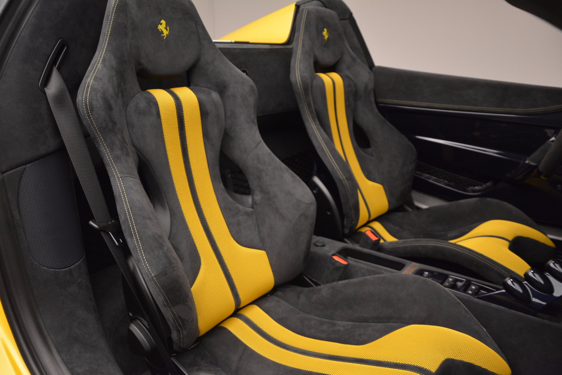 Used 2015 Ferrari 458 Speciale Aperta  For Sale In Greenwich, CT 1555_p27