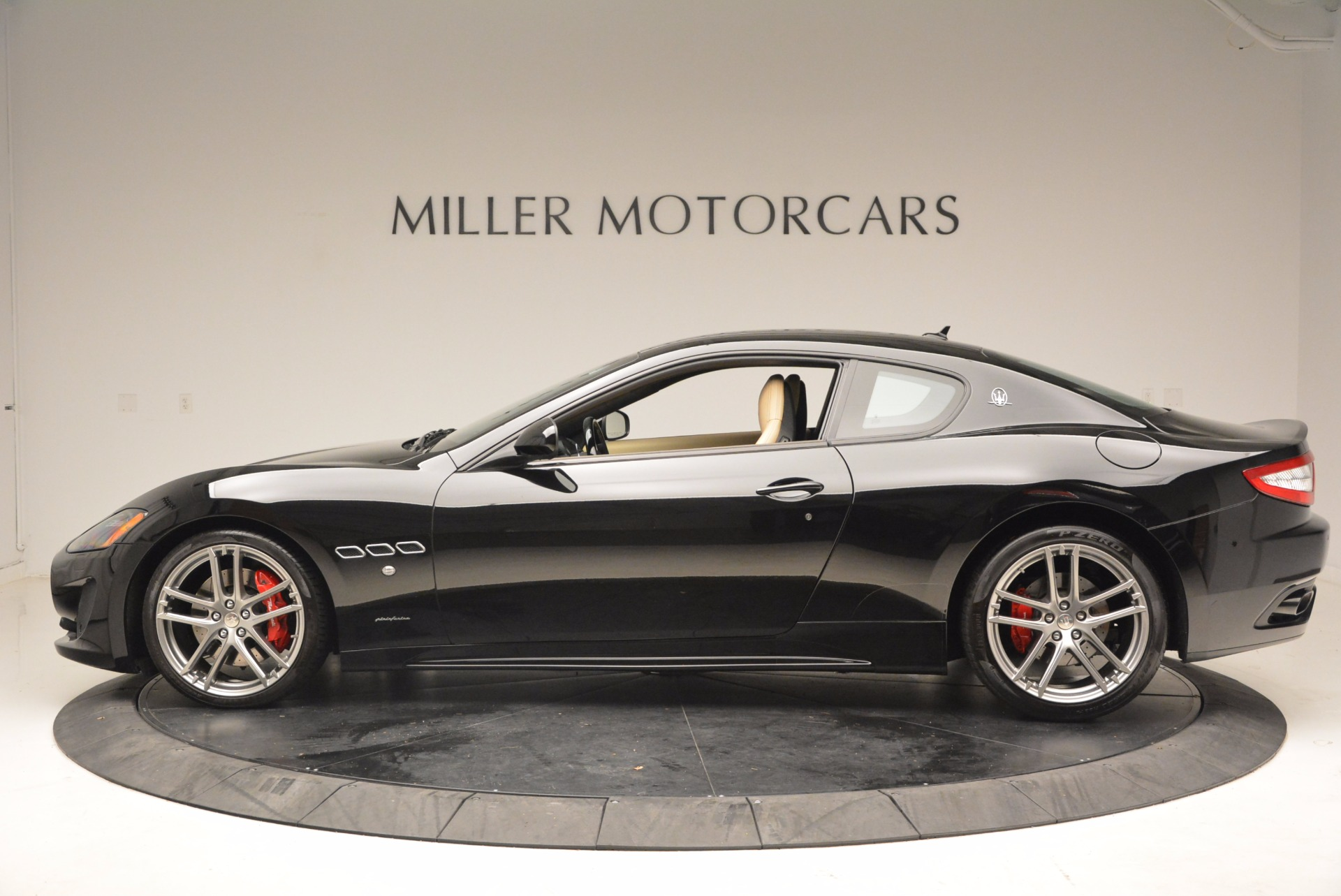Used 2015 Maserati GranTurismo Sport Coupe For Sale In Greenwich, CT 1557_p3