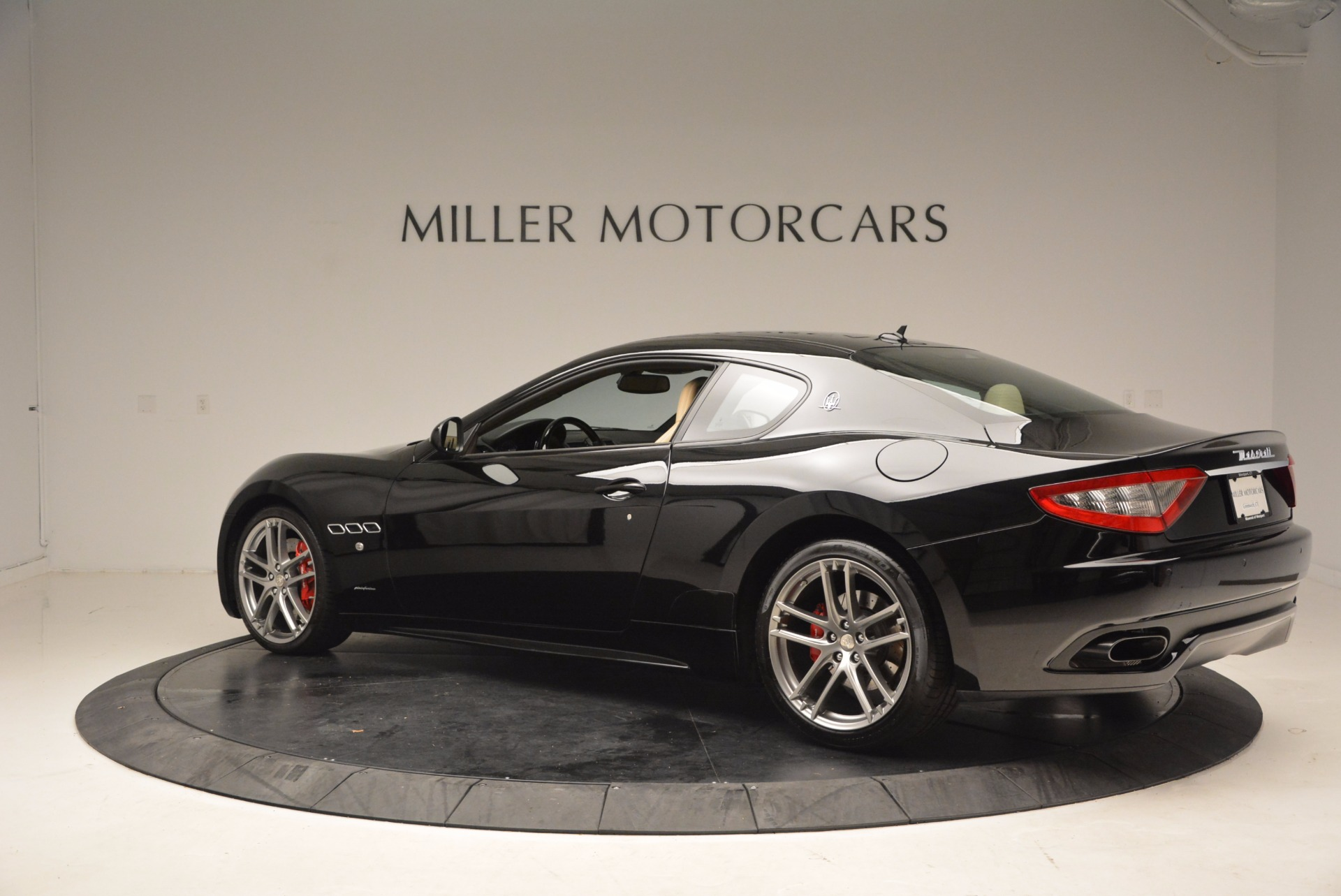 Used 2015 Maserati GranTurismo Sport Coupe For Sale In Greenwich, CT 1557_p4