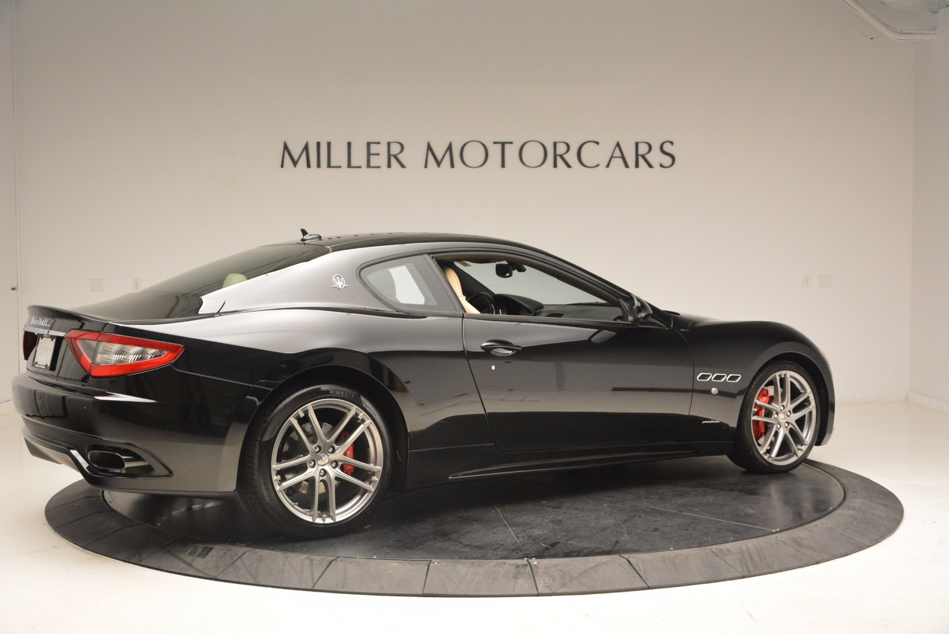 Used 2015 Maserati GranTurismo Sport Coupe For Sale In Greenwich, CT 1557_p8