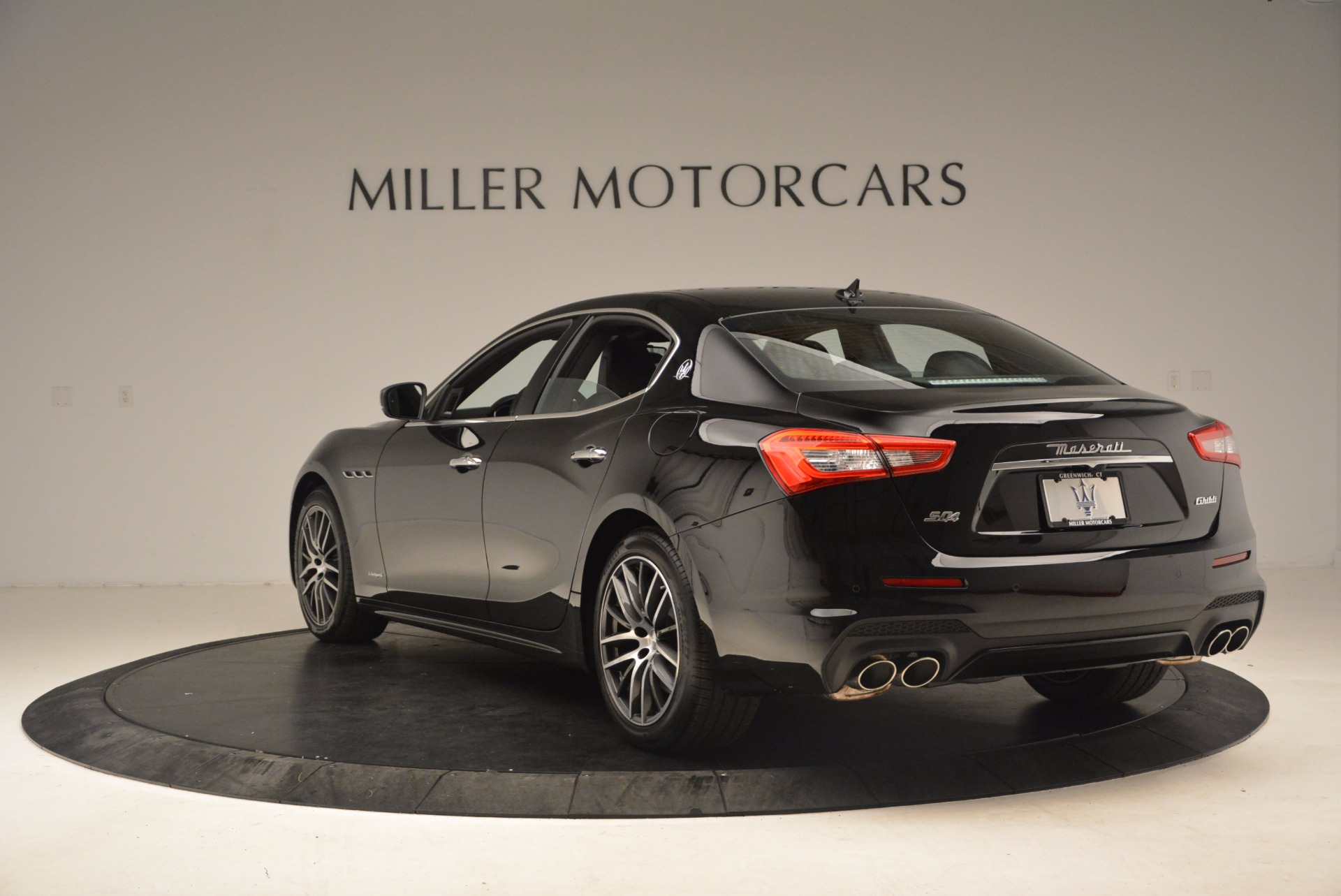 Used 2018 Maserati Ghibli S Q4 Gransport For Sale In Greenwich, CT 1568_p5