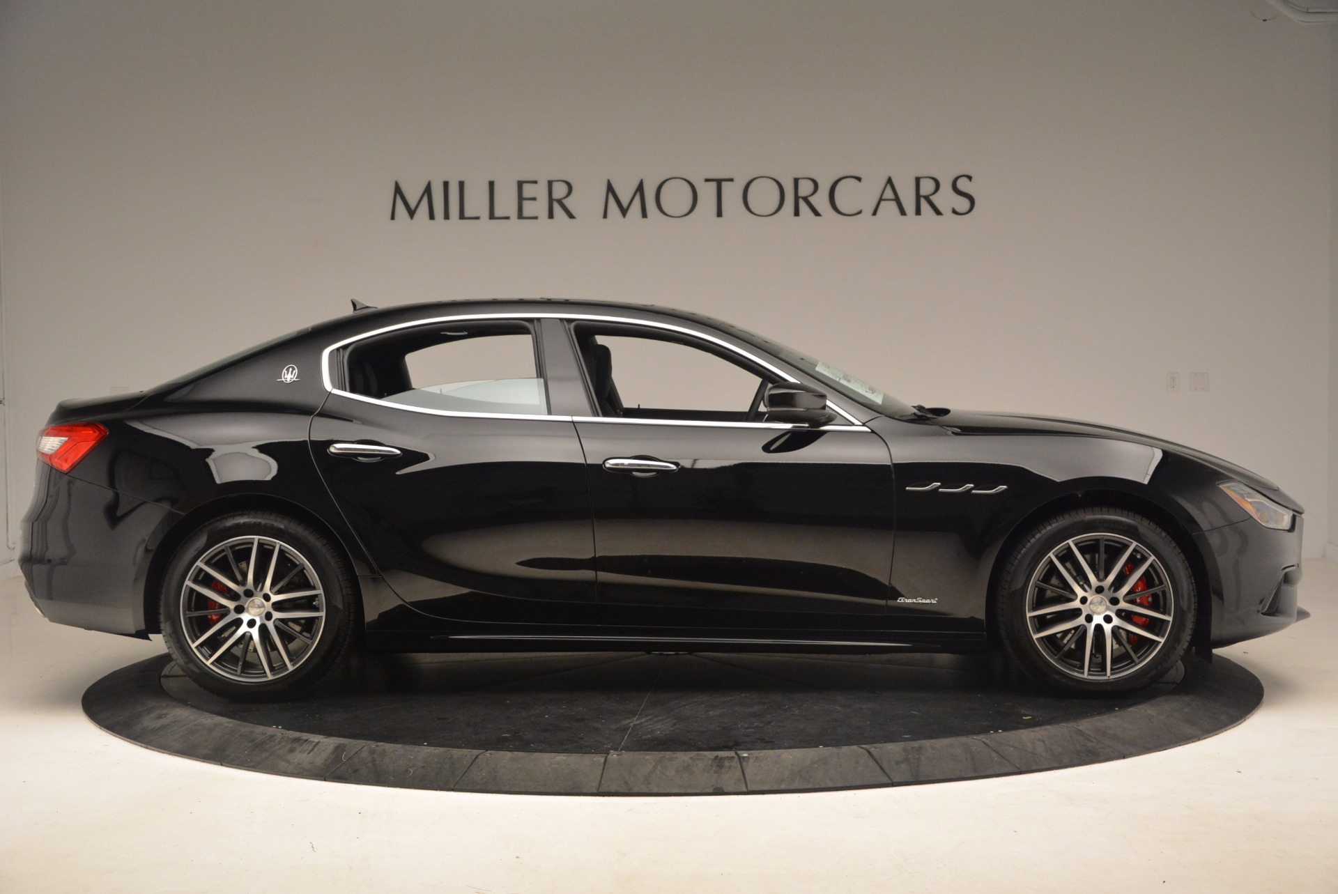 Used 2018 Maserati Ghibli S Q4 Gransport For Sale In Greenwich, CT 1568_p9