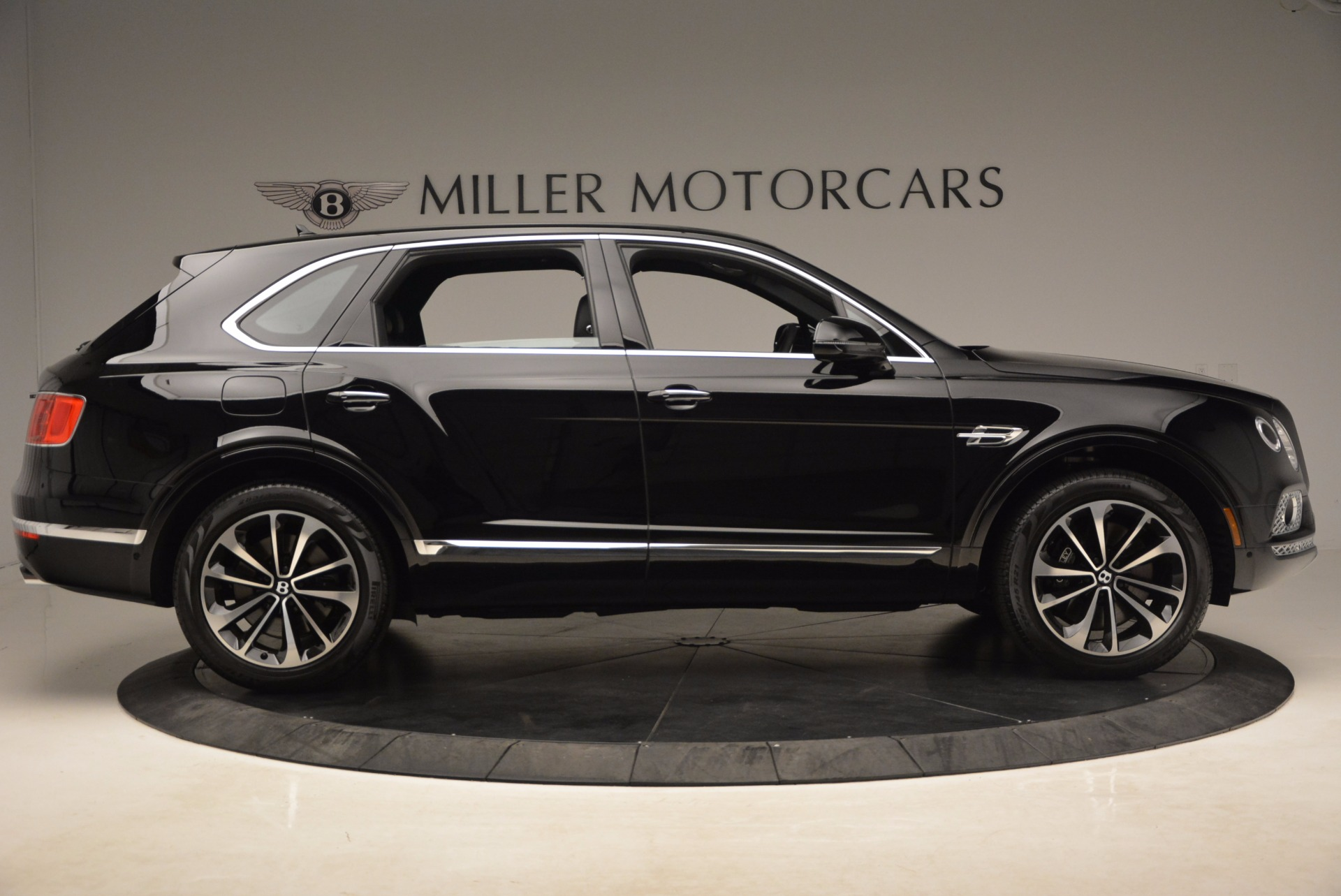New 2018 Bentley Bentayga Onyx For Sale In Greenwich, CT 1579_p11