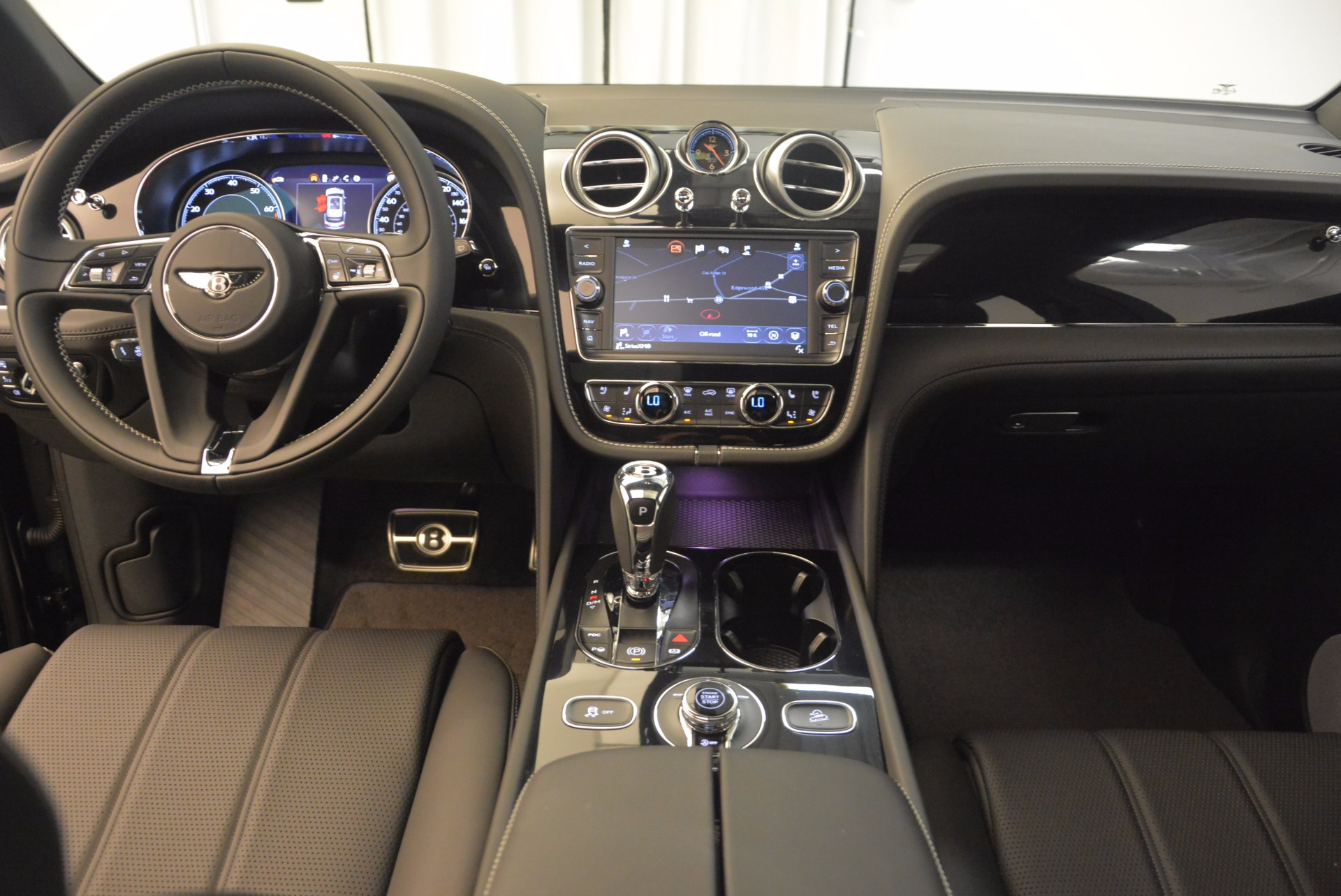 New 2018 Bentley Bentayga Onyx For Sale In Greenwich, CT 1579_p35