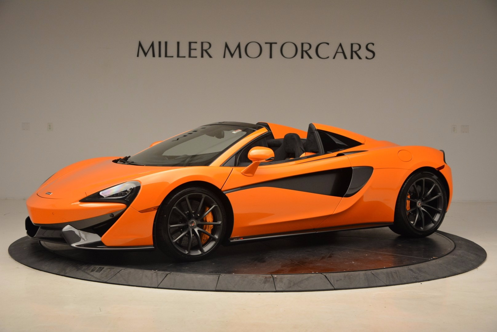 New 2018 McLaren 570S Spider  For Sale In Greenwich, CT 1580_p2