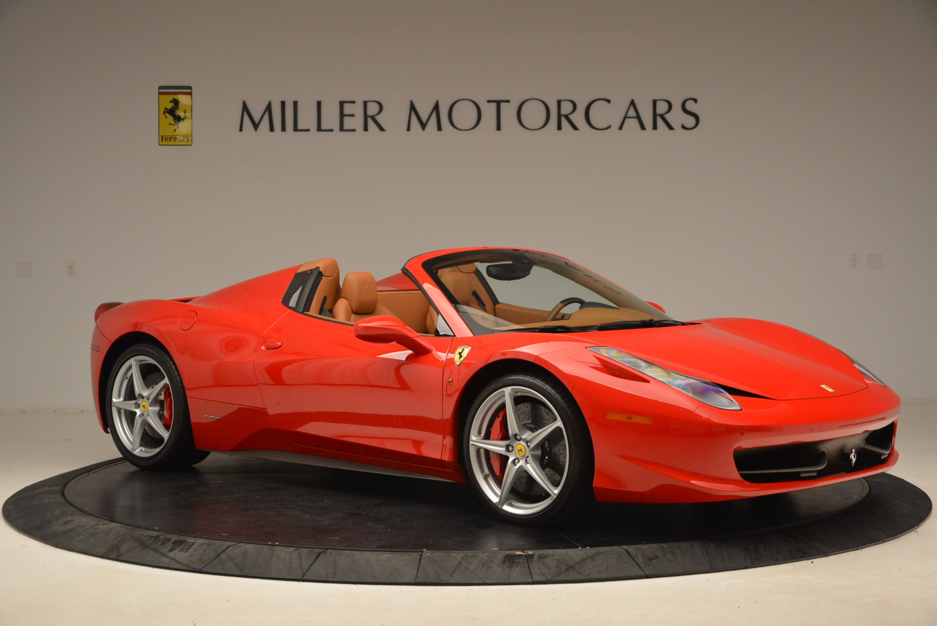 Used 2012 Ferrari 458 Spider  For Sale In Greenwich, CT 1581_p10