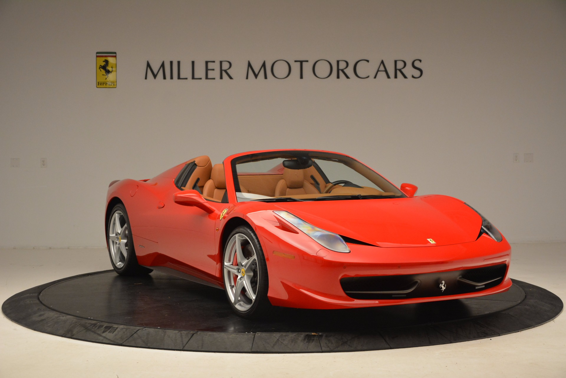 Used 2012 Ferrari 458 Spider  For Sale In Greenwich, CT 1581_p11