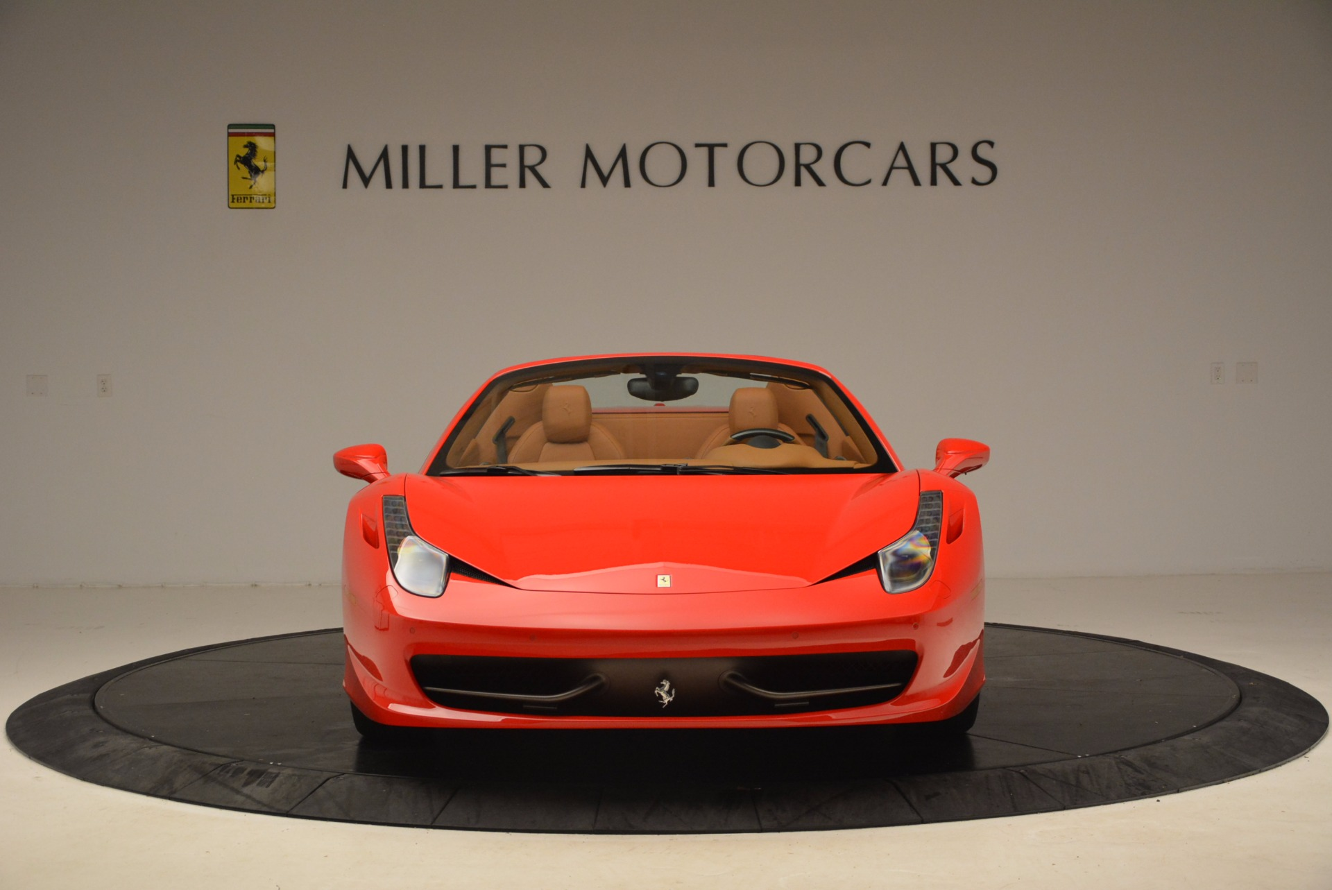Used 2012 Ferrari 458 Spider  For Sale In Greenwich, CT 1581_p12