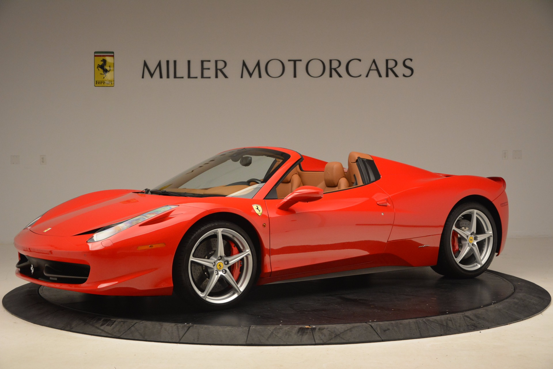 Used 2012 Ferrari 458 Spider  For Sale In Greenwich, CT 1581_p2