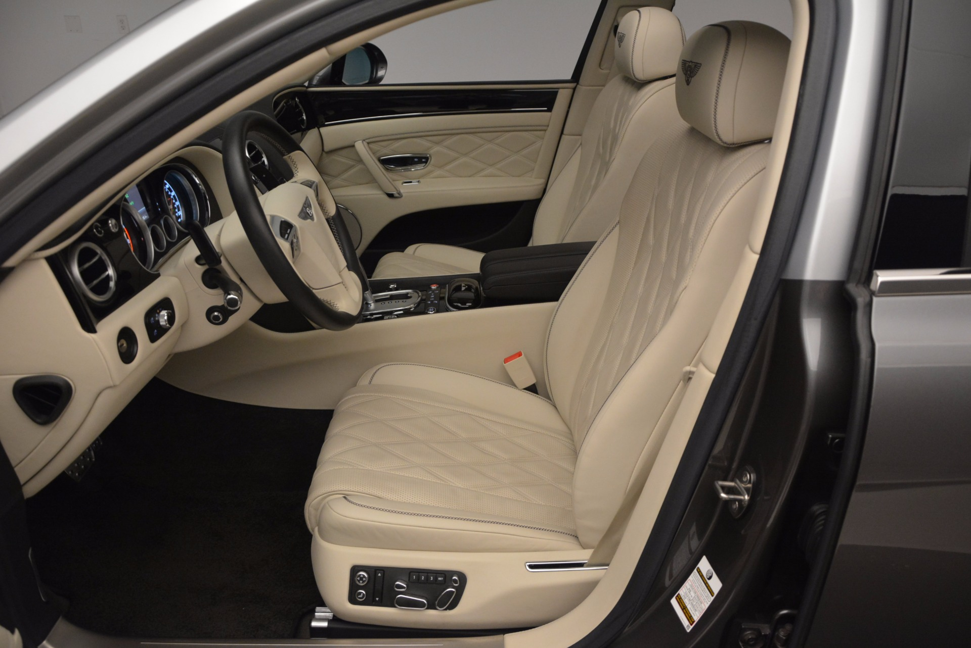 Used 2015 Bentley Flying Spur W12 For Sale In Greenwich, CT 1582_p23