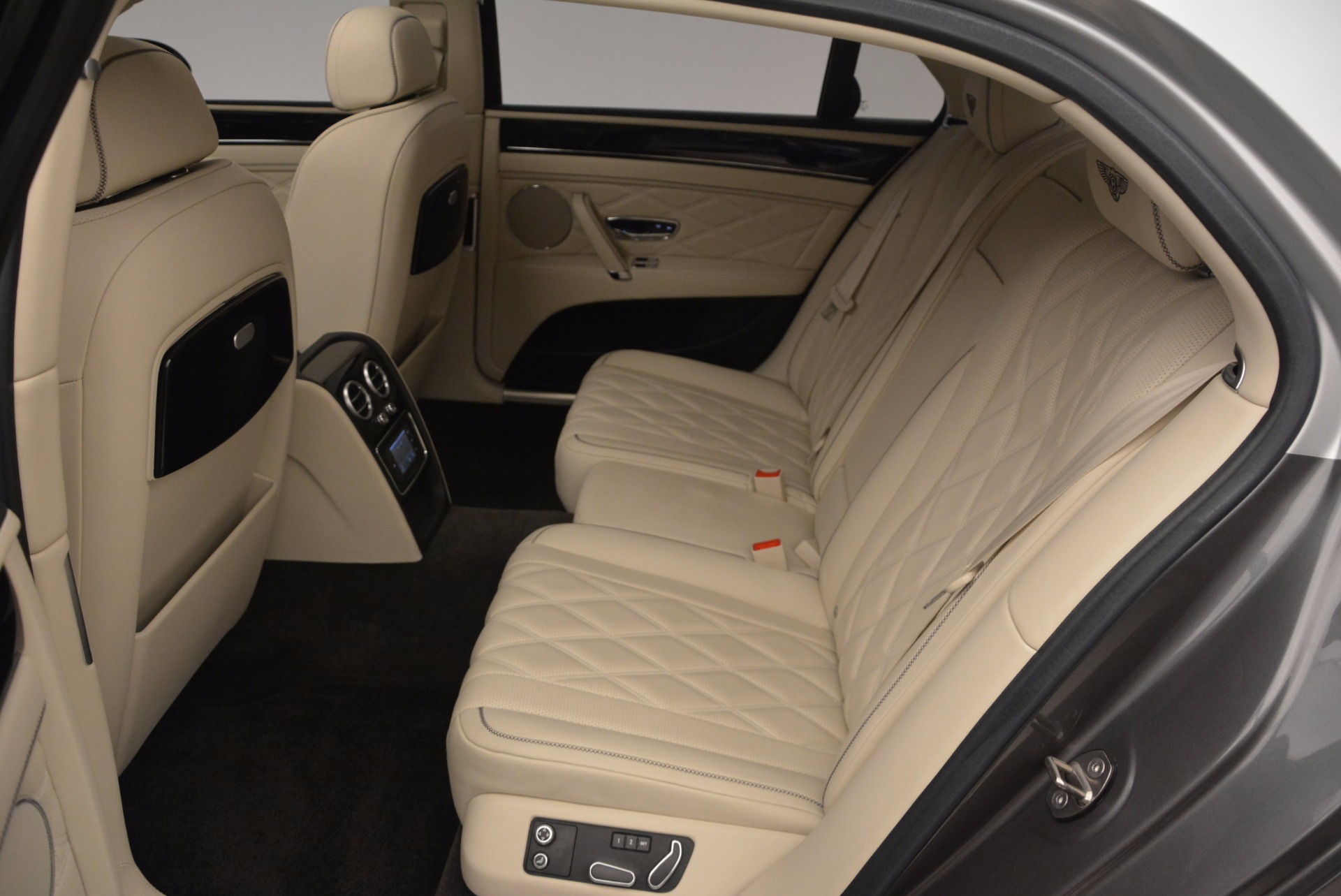 Used 2015 Bentley Flying Spur W12 For Sale In Greenwich, CT 1582_p30