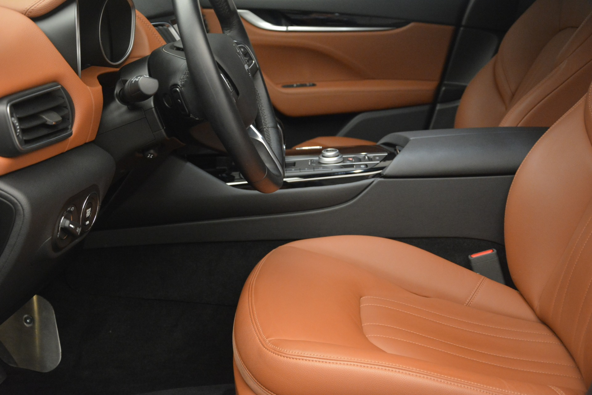 Used 2018 Maserati Levante Q4 For Sale In Greenwich, CT 1586_p18