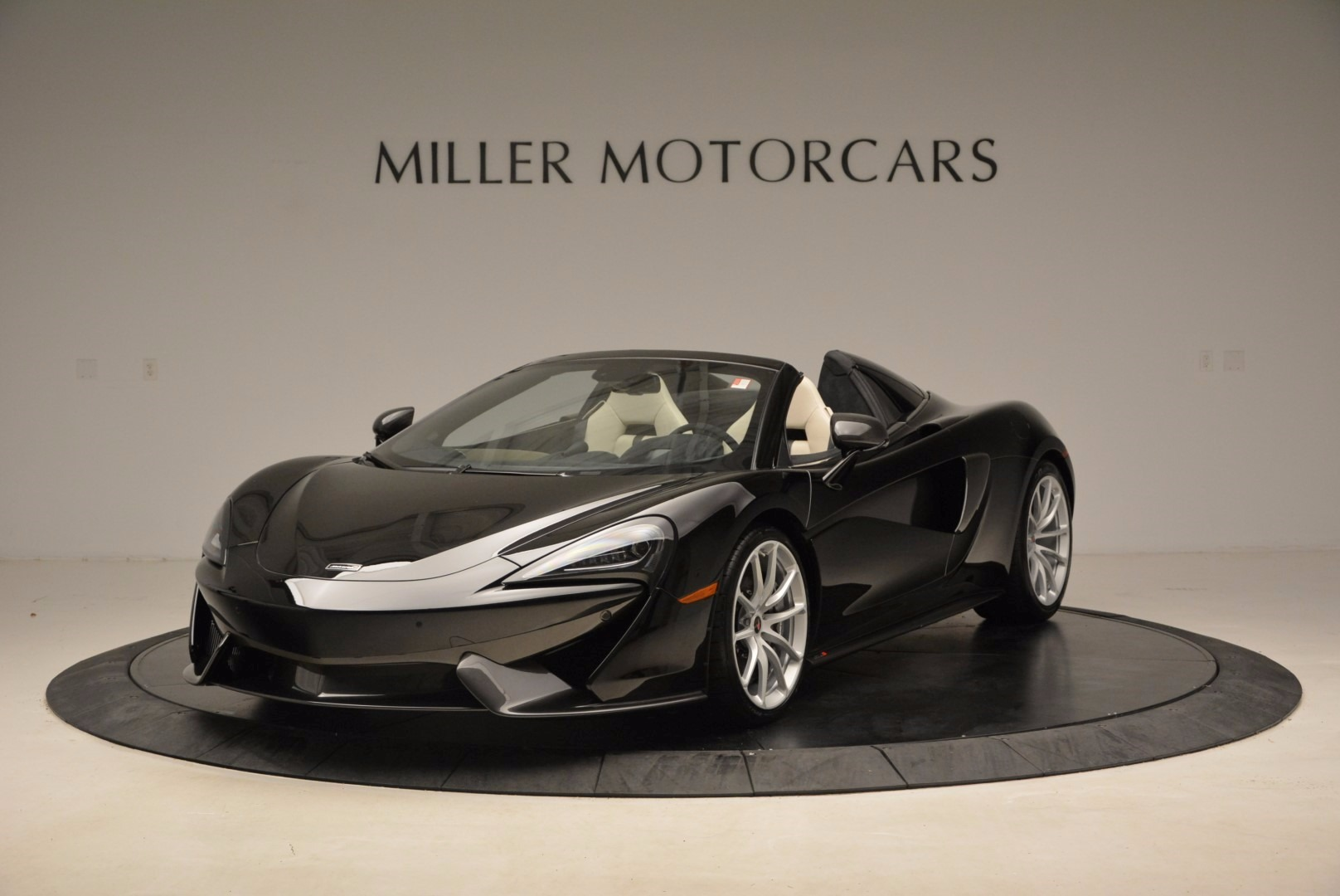 New 2018 McLaren 570S Spider  For Sale In Greenwich, CT 1595_main