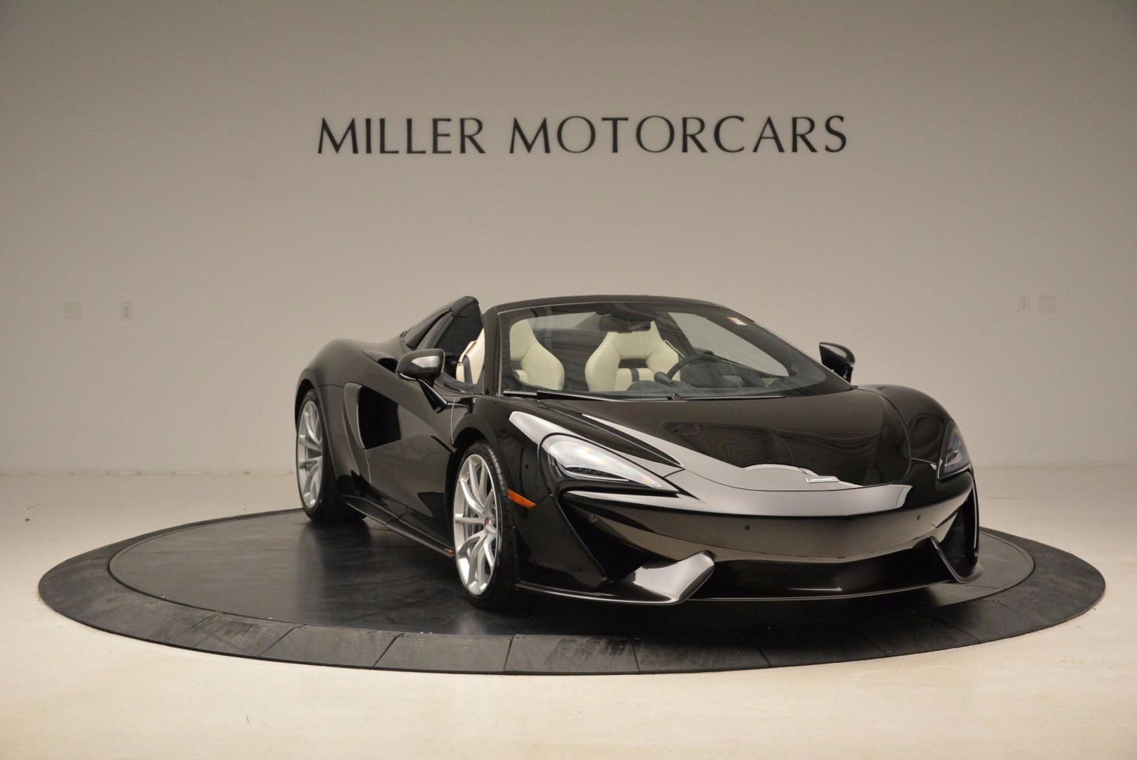 New 2018 McLaren 570S Spider  For Sale In Greenwich, CT 1595_p11
