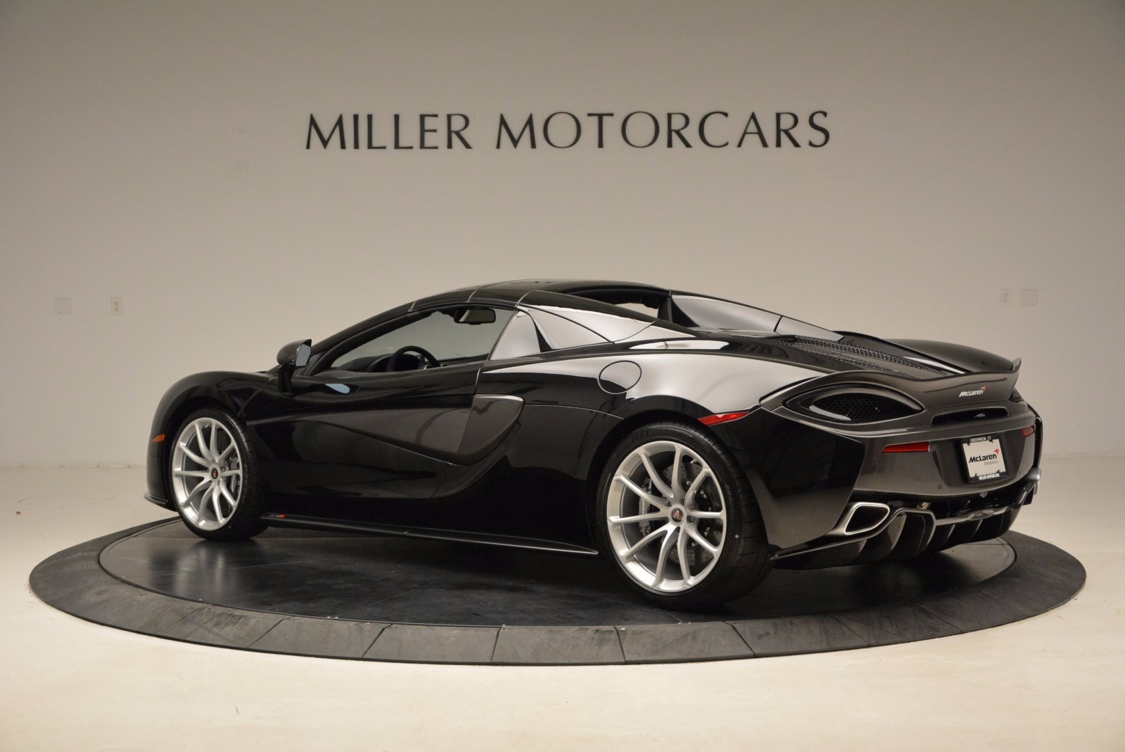New 2018 McLaren 570S Spider  For Sale In Greenwich, CT 1595_p17