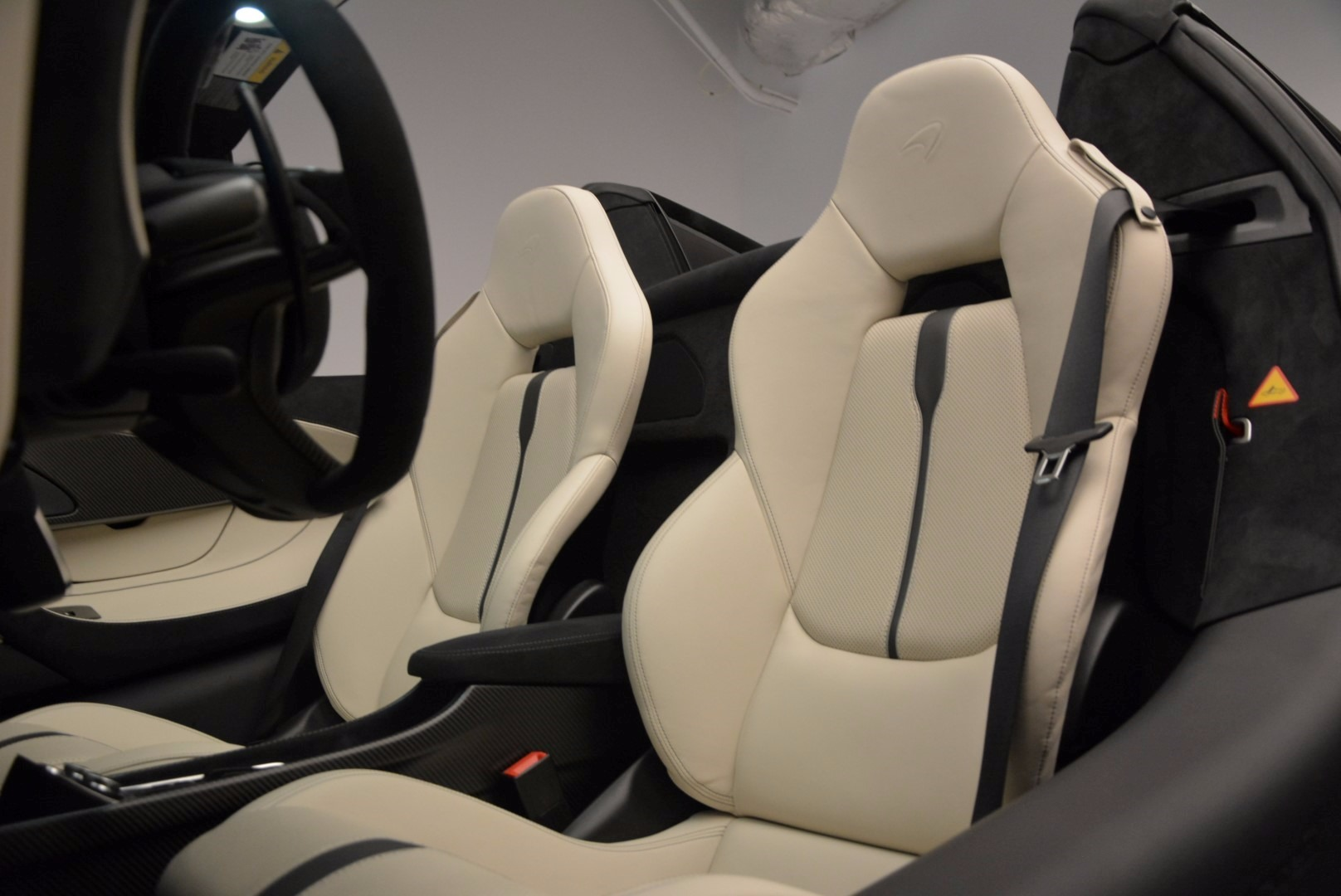 New 2018 McLaren 570S Spider  For Sale In Greenwich, CT 1595_p27