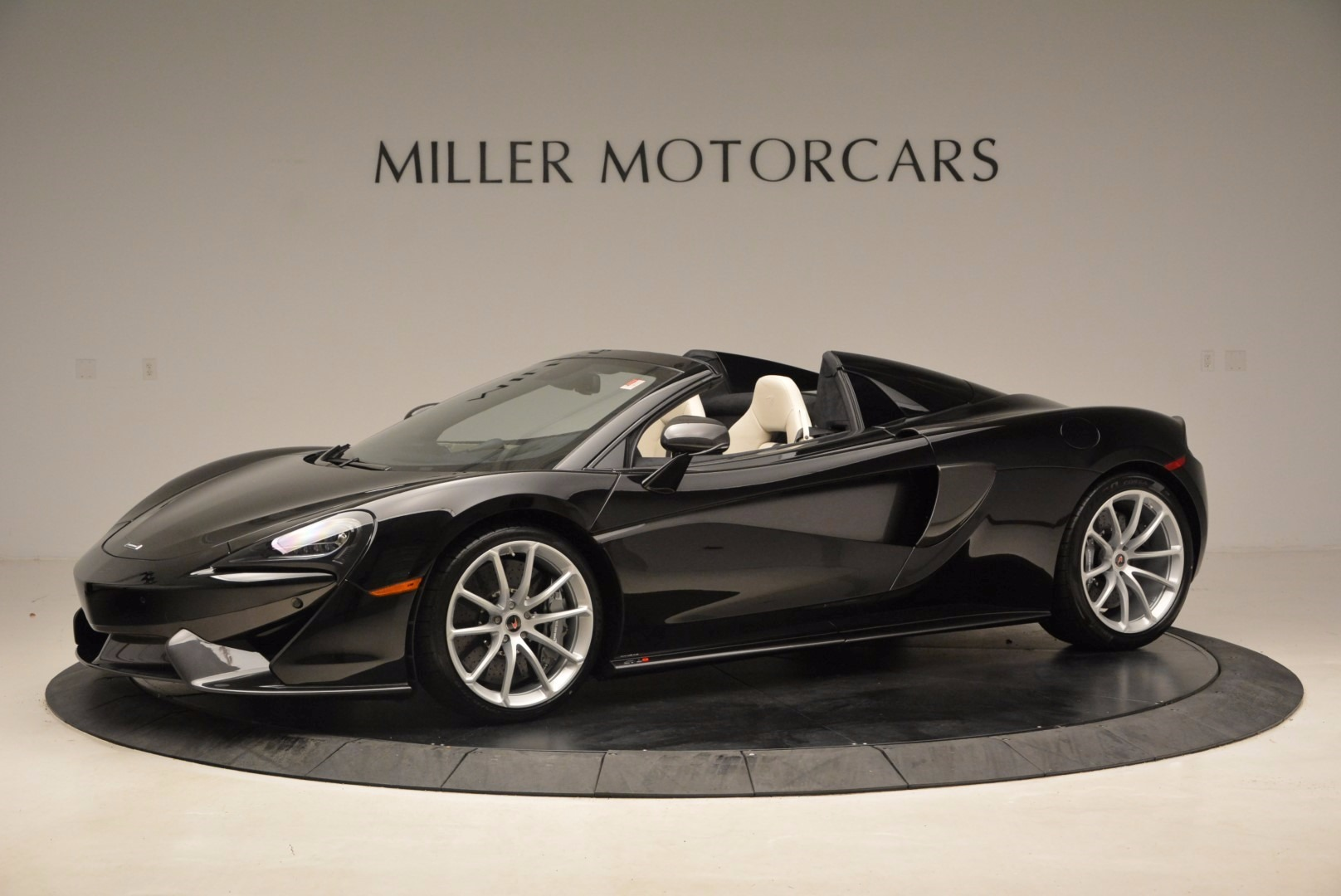 New 2018 McLaren 570S Spider  For Sale In Greenwich, CT 1595_p2