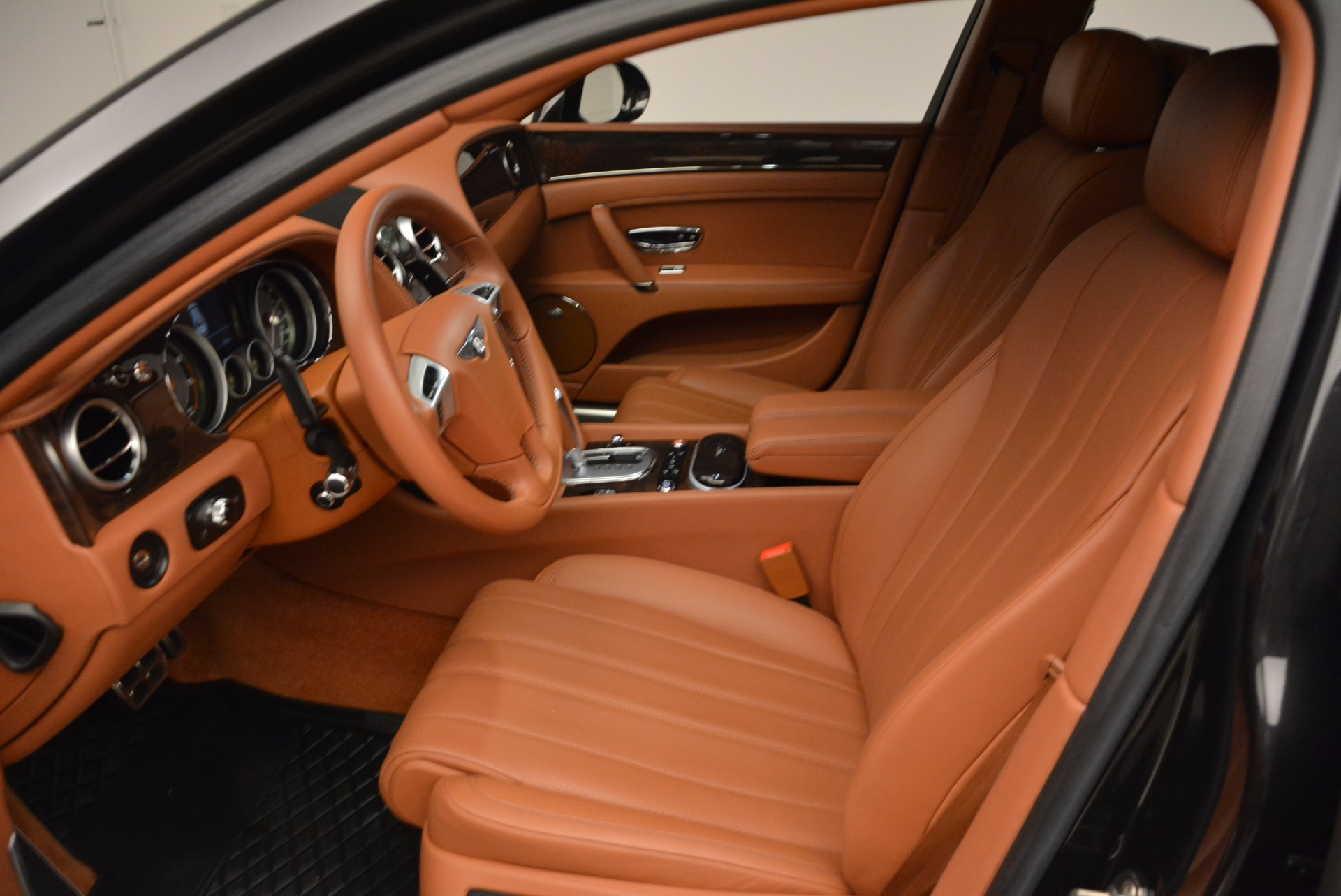 Used 2014 Bentley Flying Spur W12 For Sale In Greenwich, CT 1598_p27