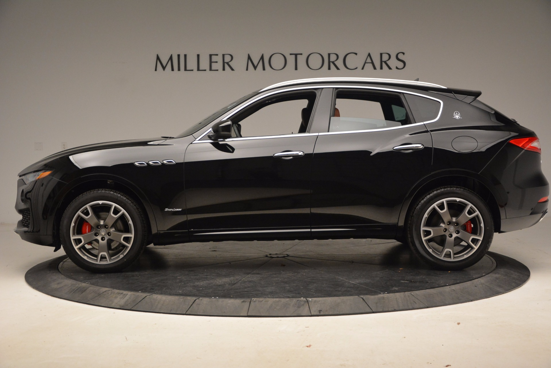 New 2018 Maserati Levante Q4 GranLusso For Sale In Greenwich, CT 1599_p3