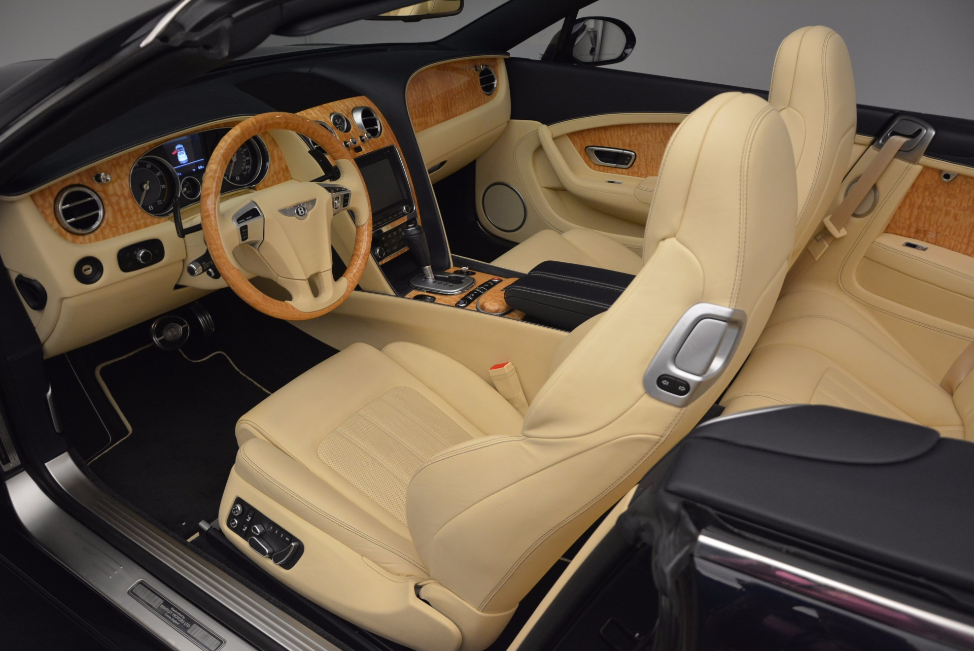 Used 2012 Bentley Continental GTC  For Sale In Greenwich, CT 16_p33