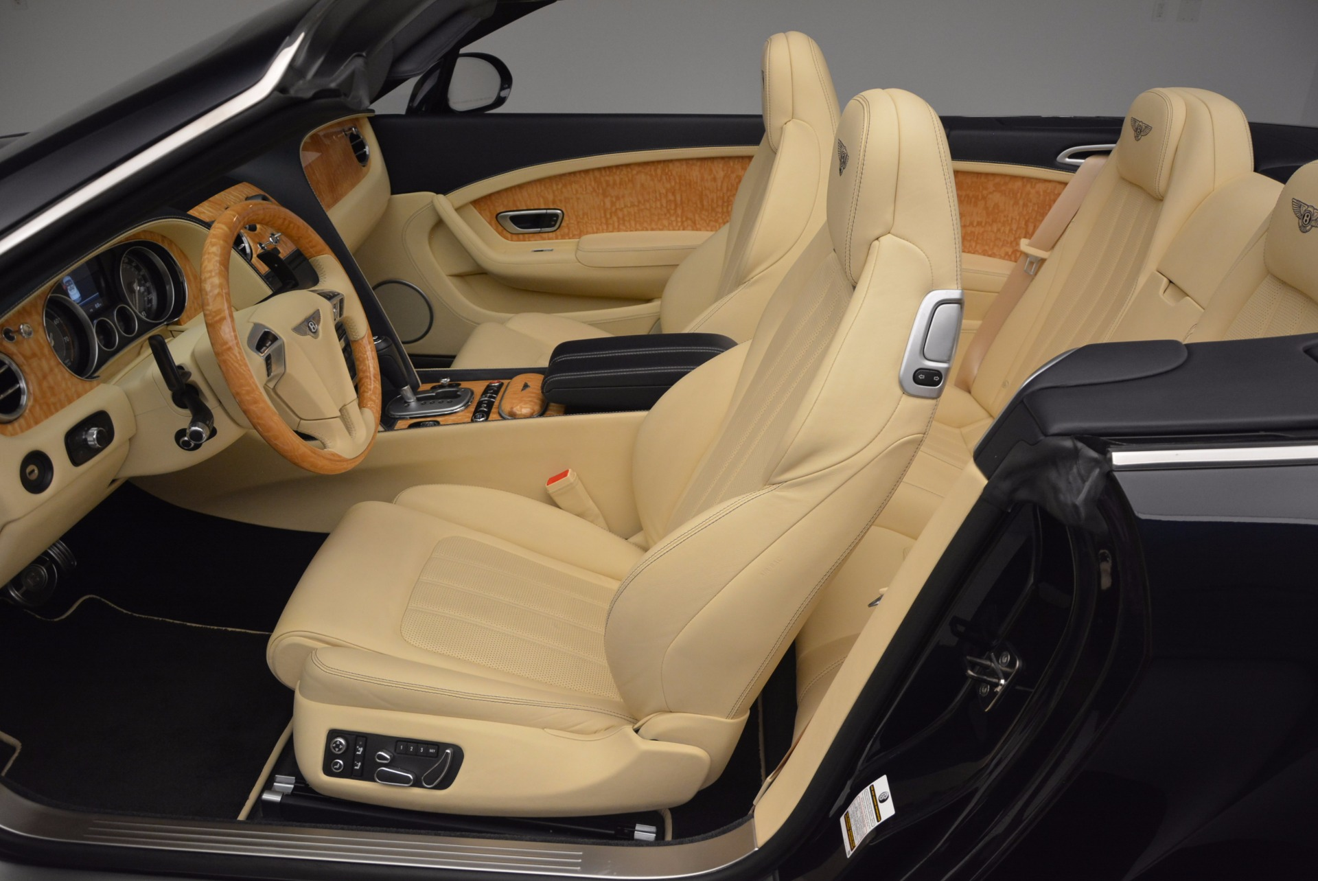 Used 2012 Bentley Continental GTC  For Sale In Greenwich, CT 16_p34