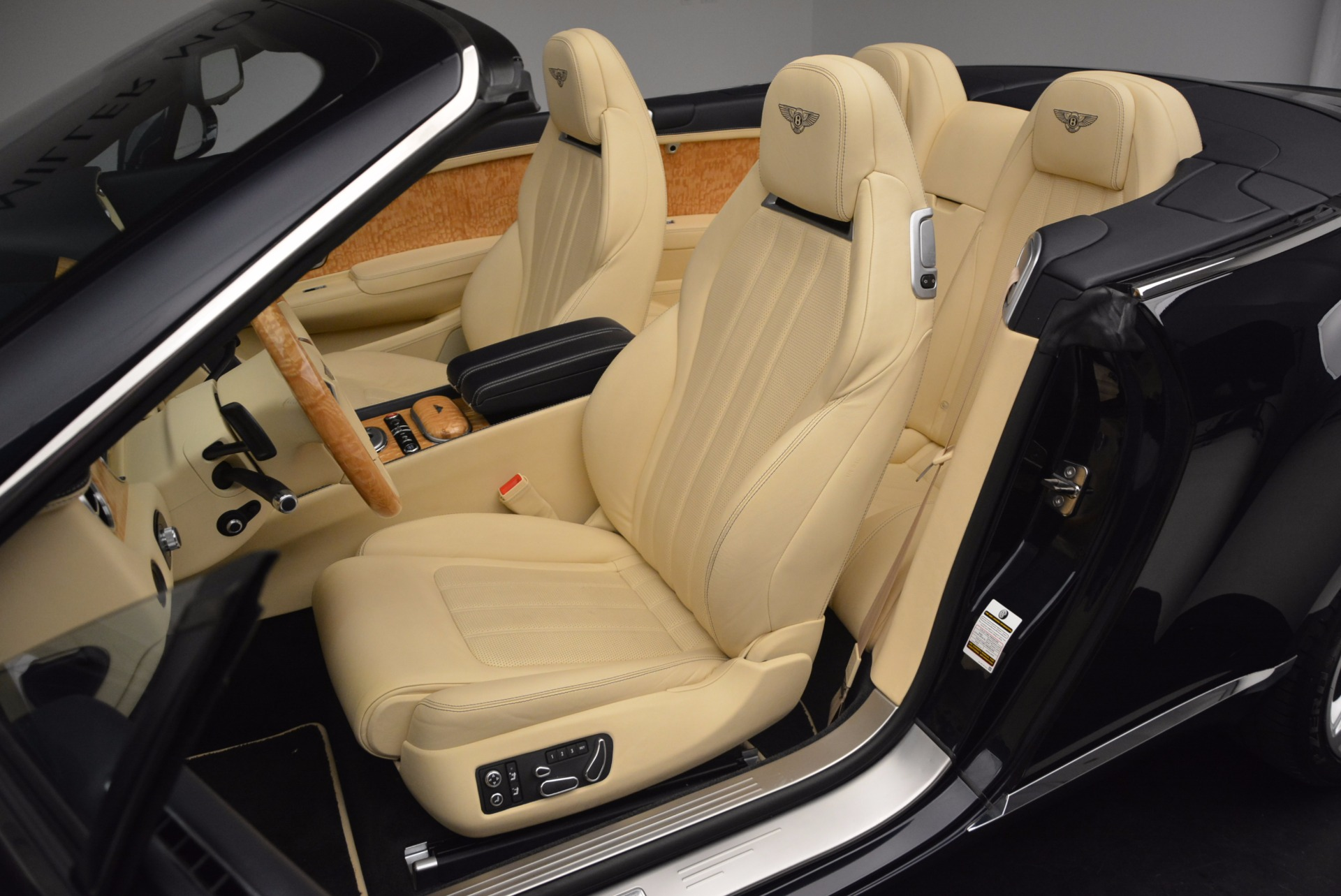 Used 2012 Bentley Continental GTC  For Sale In Greenwich, CT 16_p35