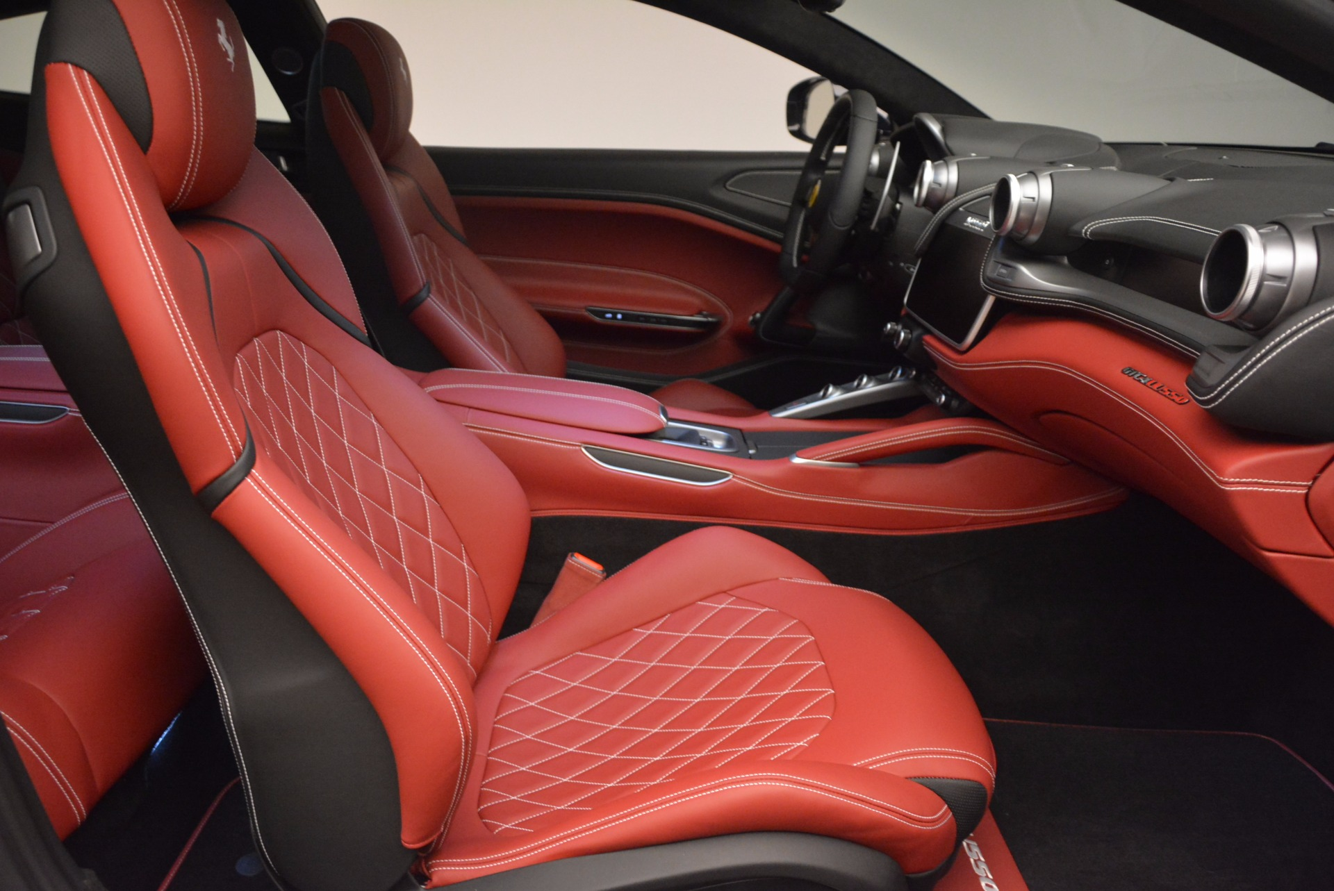 Used 2017 Ferrari GTC4Lusso  For Sale In Greenwich, CT 1601_p19