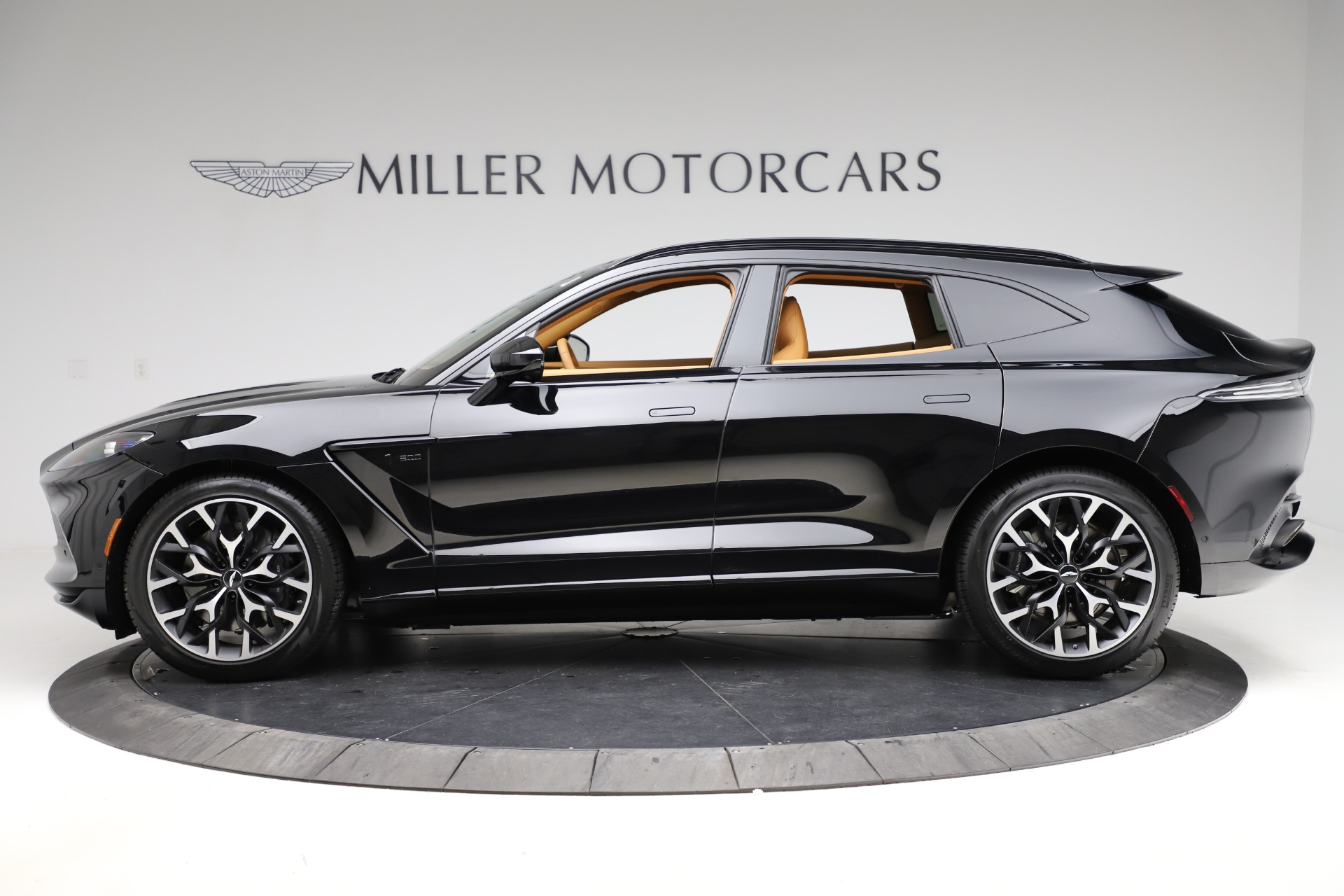 New 2020 Aston Martin DBX  For Sale In Greenwich, CT 1602_p2