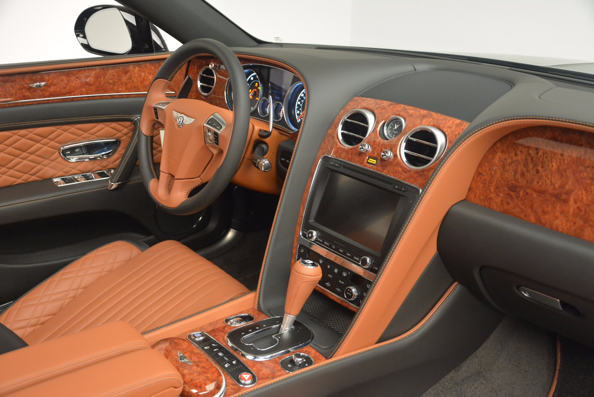 New 2017 Bentley Flying Spur W12 For Sale In Greenwich, CT 1616_p47