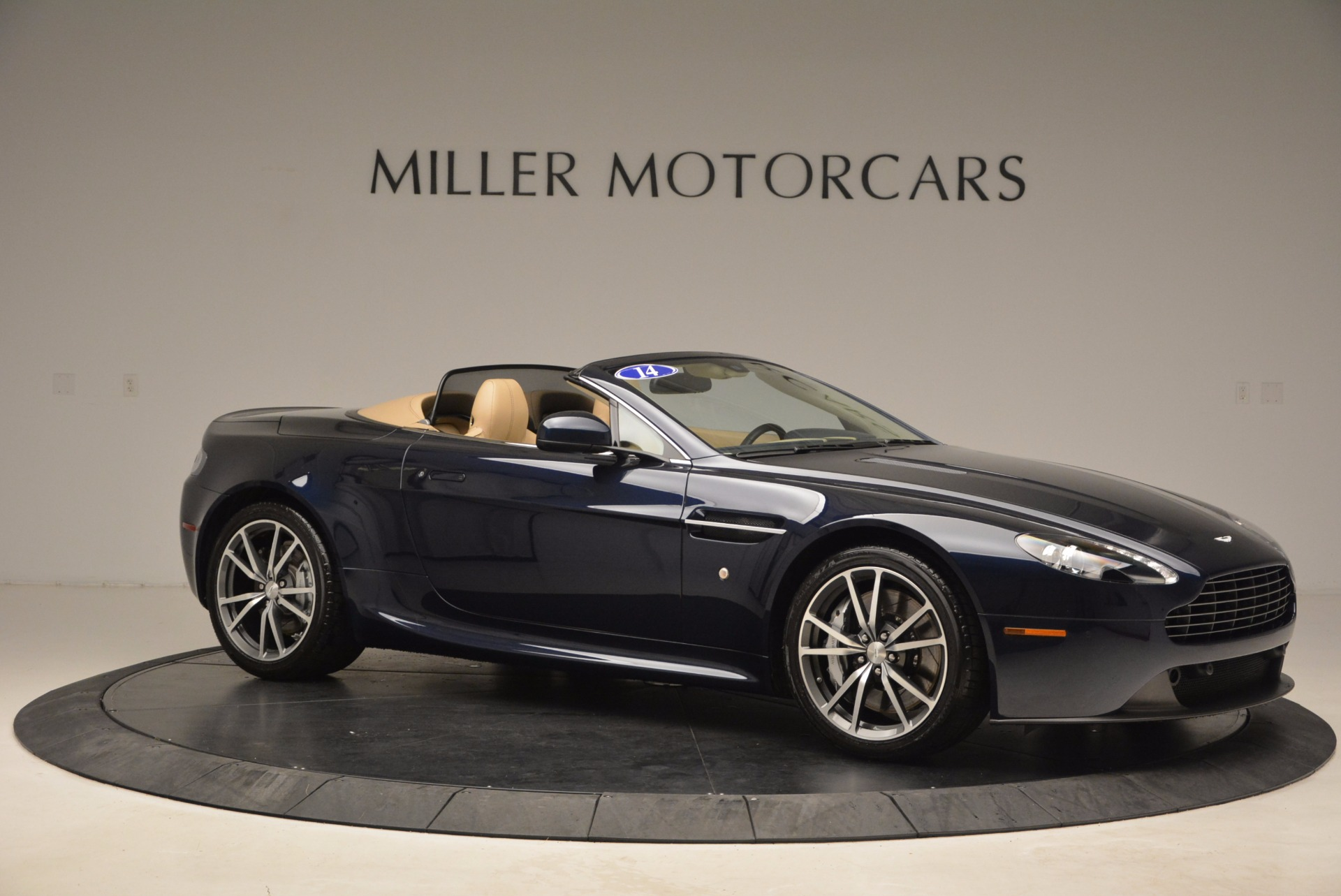 Used 2014 Aston Martin V8 Vantage Roadster For Sale In Greenwich, CT 1623_p10