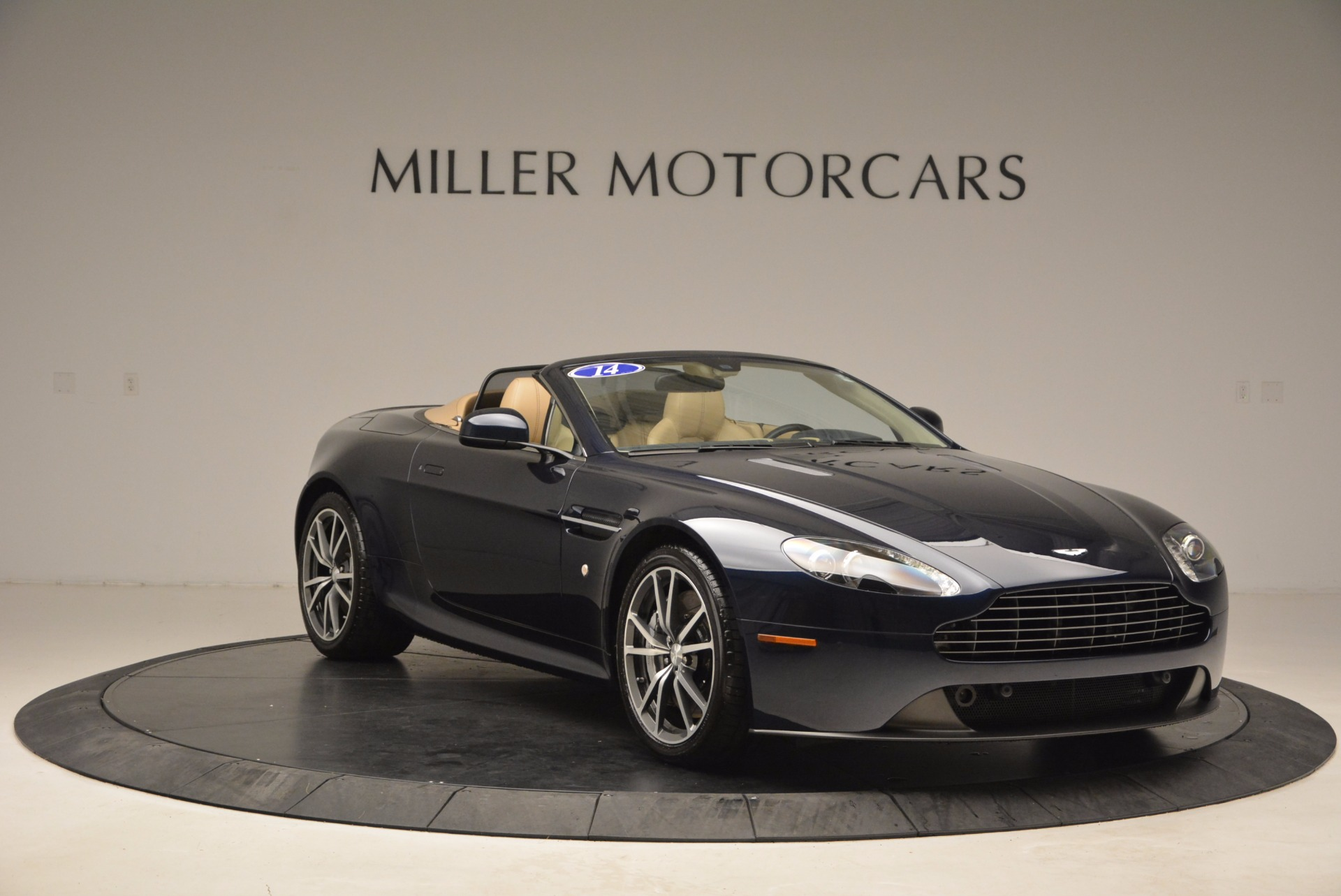 Used 2014 Aston Martin V8 Vantage Roadster For Sale In Greenwich, CT 1623_p11