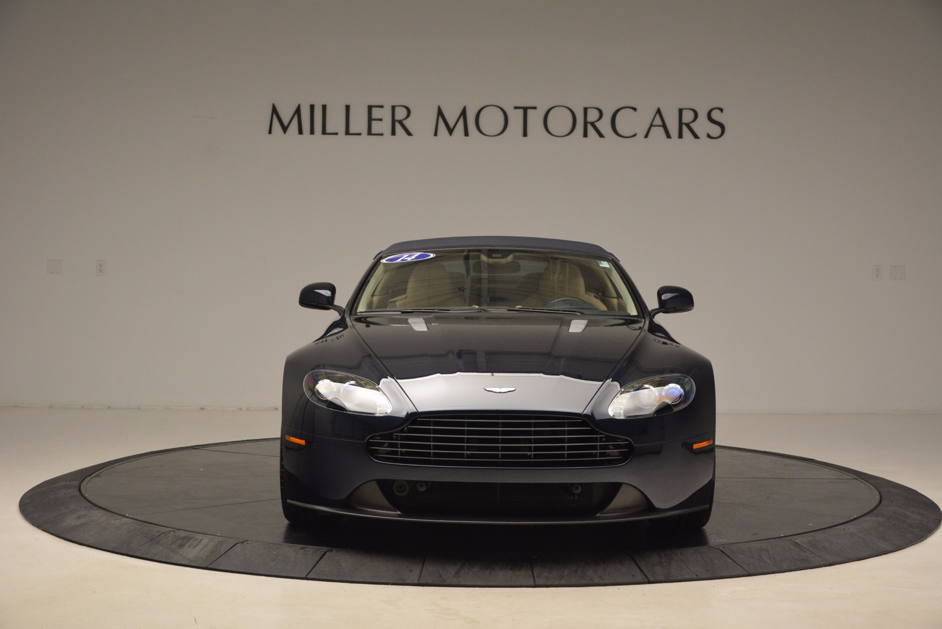 Used 2014 Aston Martin V8 Vantage Roadster For Sale In Greenwich, CT 1623_p19