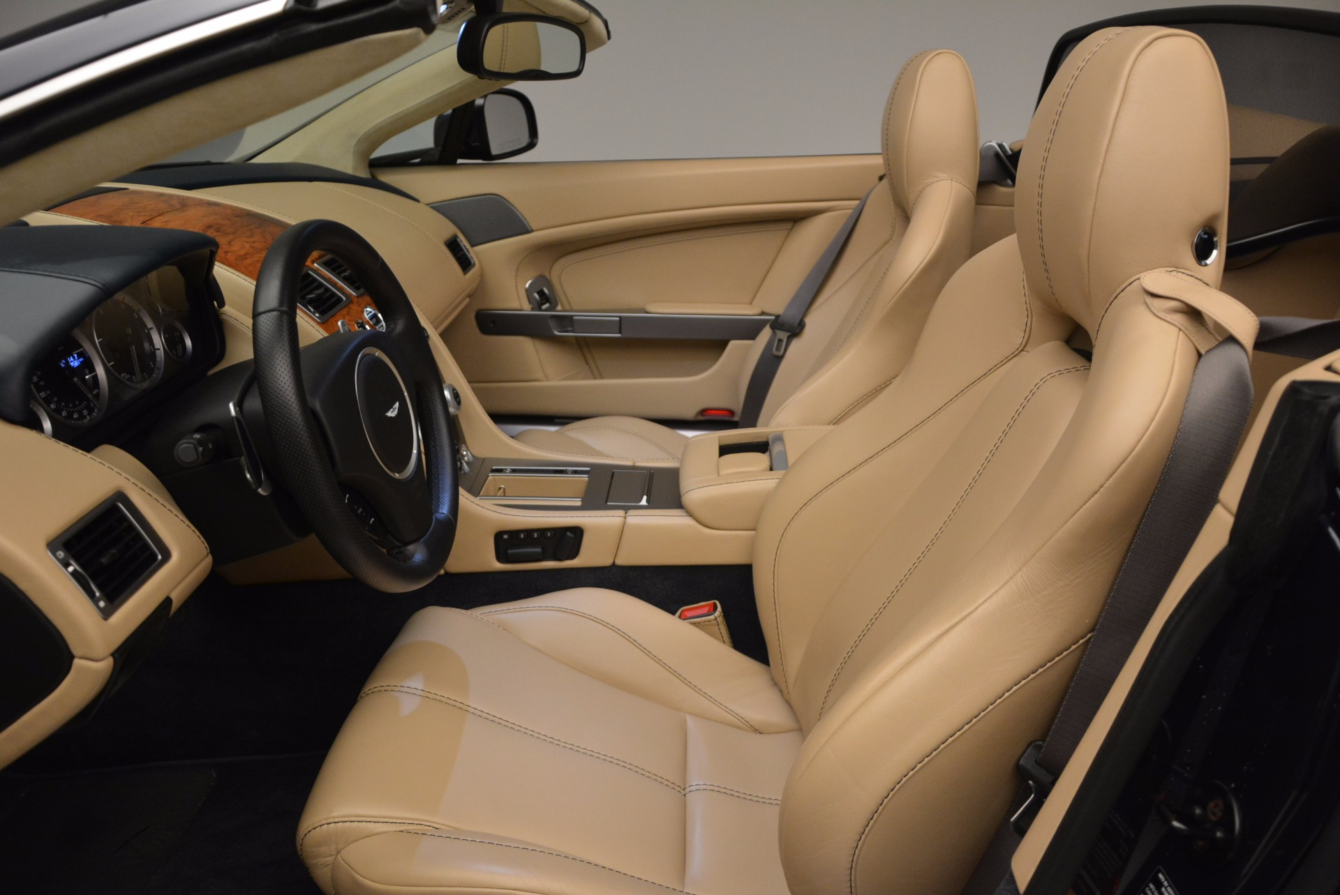 Used 2014 Aston Martin V8 Vantage Roadster For Sale In Greenwich, CT 1623_p20
